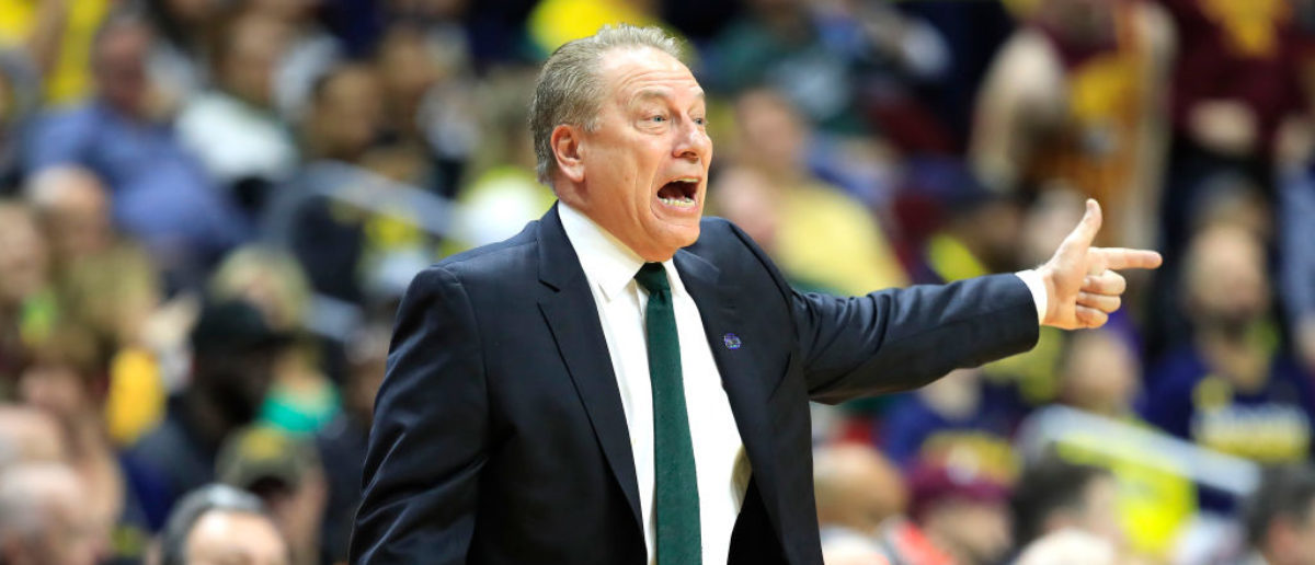 DES MOINES, IOWA - MARCH 23: Head coach Tom Izzo of the Michigan State Spartans shouts against the Minnesota Golden Gophers during the first half in the second round game of the 2019 NCAA Men's Basketball Tournament at Wells Fargo Arena on March 23, 2019 in Des Moines, Iowa. (Photo by Andy Lyons/Getty Images)