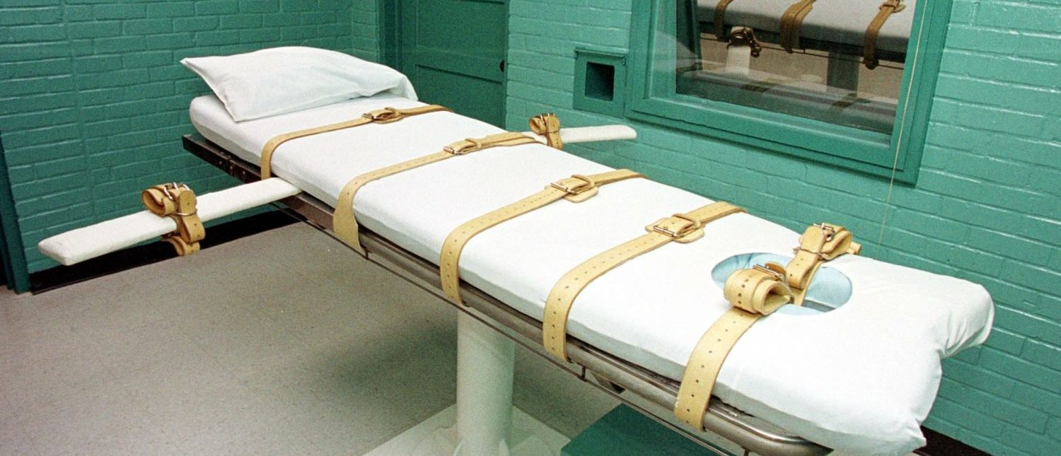 """This photo shows the """"death chamber"""" at the Texas Department of Criminal Justice Huntsville Unit, as seen on February 29, 2000. (Paul Buck/AFP/Getty Images)"""