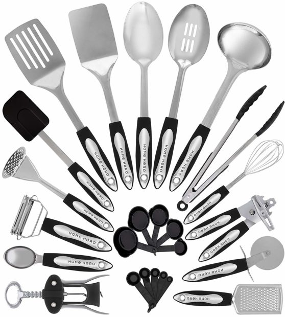 With 25 pieces, this kitchen utensil set has everything you need (Photo via Amazon)