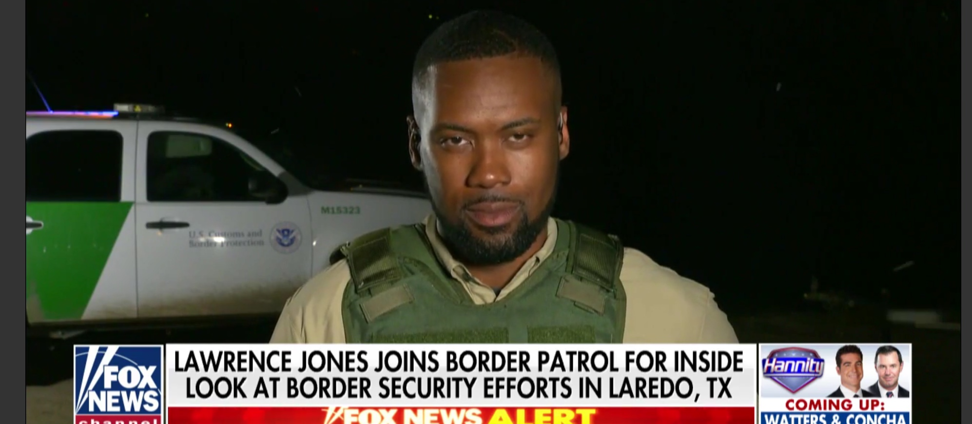 """Fox News reporter Lawrence Jones explains why he needs to wear a bulletproof vest at the U.S.-Mexico border on """"Hannity,"""" Apr. 4, 2019. Fox News screenshot."""