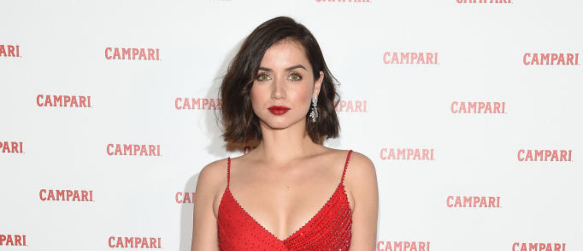 MILAN, ITALY - FEBRUARY 05: Ana de Armas, wearing Versace dress, Jimmy Choo heels, Norman Silverman diamond earrings and Tyler Ellis clutch attends Campari Red Diaries 2019 Premiere Event on February 5, 2019 in Milan, Italy. (Photo by Stefania M. D'Alessandro/Getty Images for Campari)
