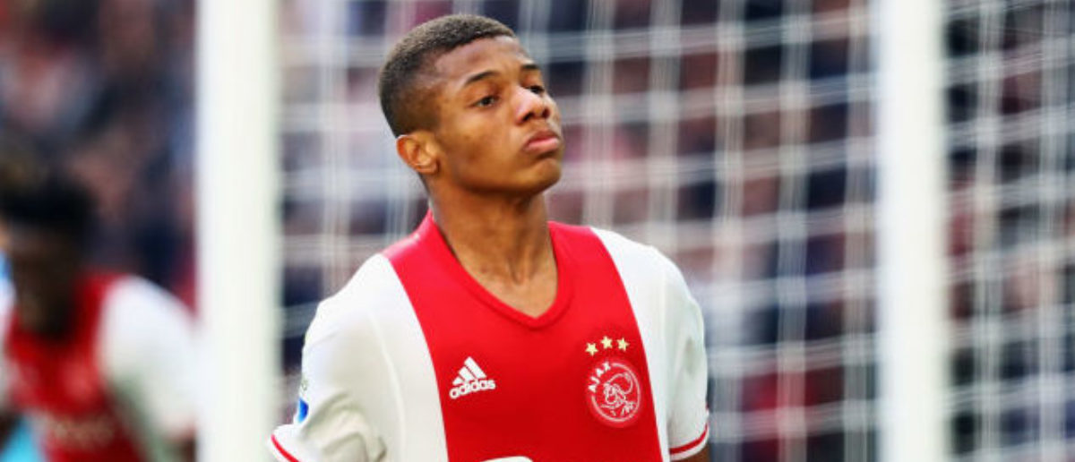 AMSTERDAM, NETHERLANDS - APRIL 02: David Neres of Ajax celebrates scoring his teams second goal of the game during the Dutch Eredivisie match between Ajax Amsterdam and Feyenoord at Amsterdam ArenA on April 2, 2017 in Amsterdam, Netherlands. (Photo by Dean Mouhtaropoulos/Getty Images)