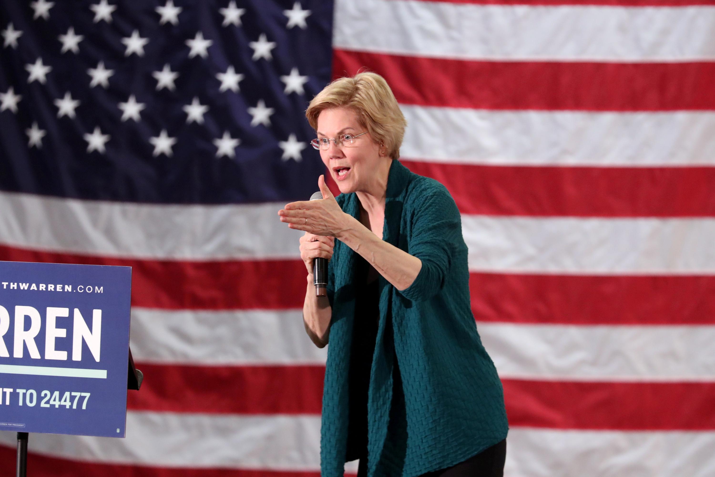 Democratic 2020 U.S. presidential candidate and U.S. Senator Elizabeth Warren (D-MA) speaks to supporters in Memphis, Tennessee, U.S. March 17, 2019. REUTERS/Karen Pulfer Focht.