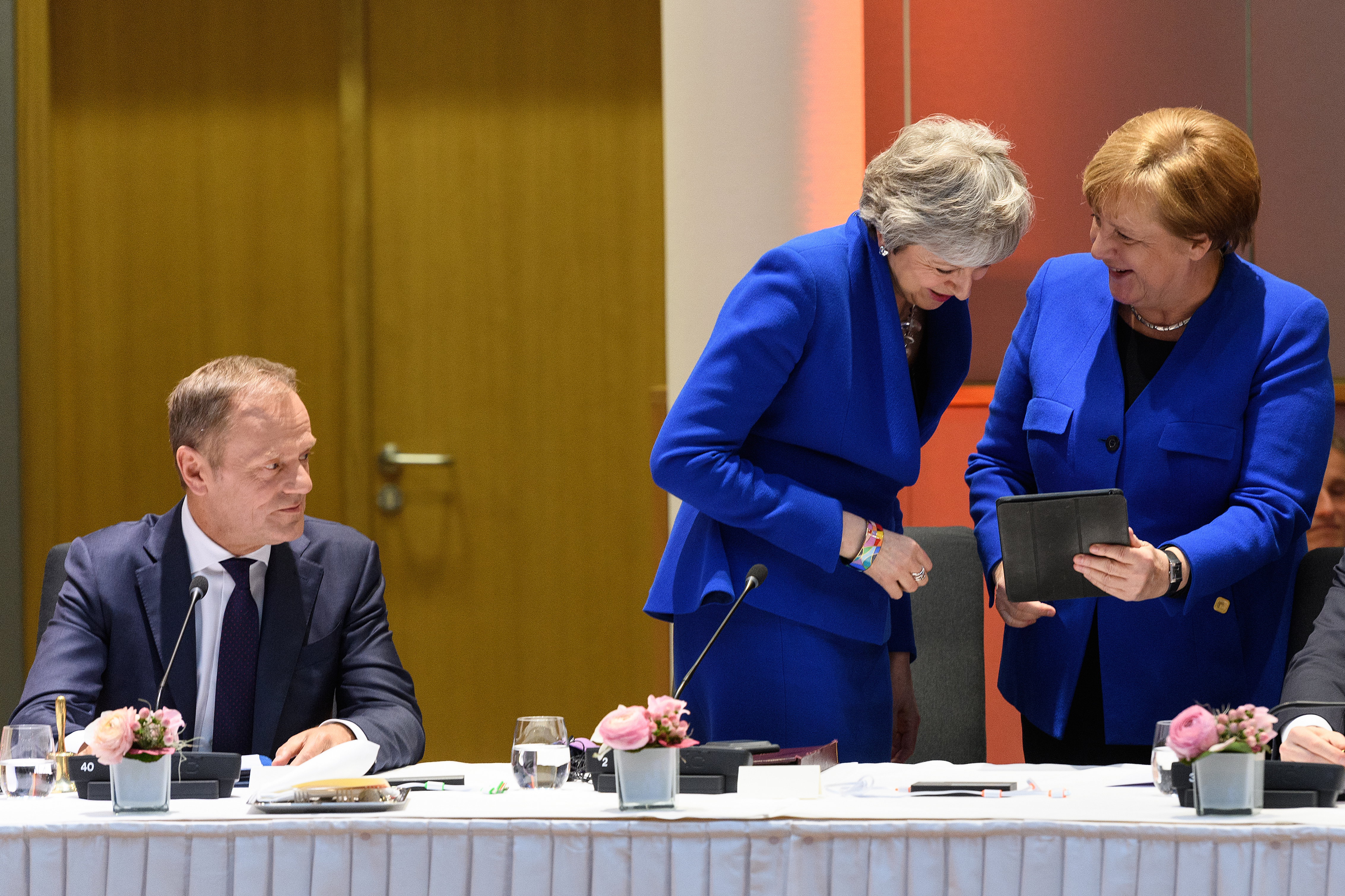 (L-R) President of the European Council Donald Tusk, British Prime Minister Theresa May and German Chancellor Angela Merkel attend a round table meeting on April 10, 2019 in Brussels, Belgium. (Photo by Leon Neal - Pool/Getty Images)
