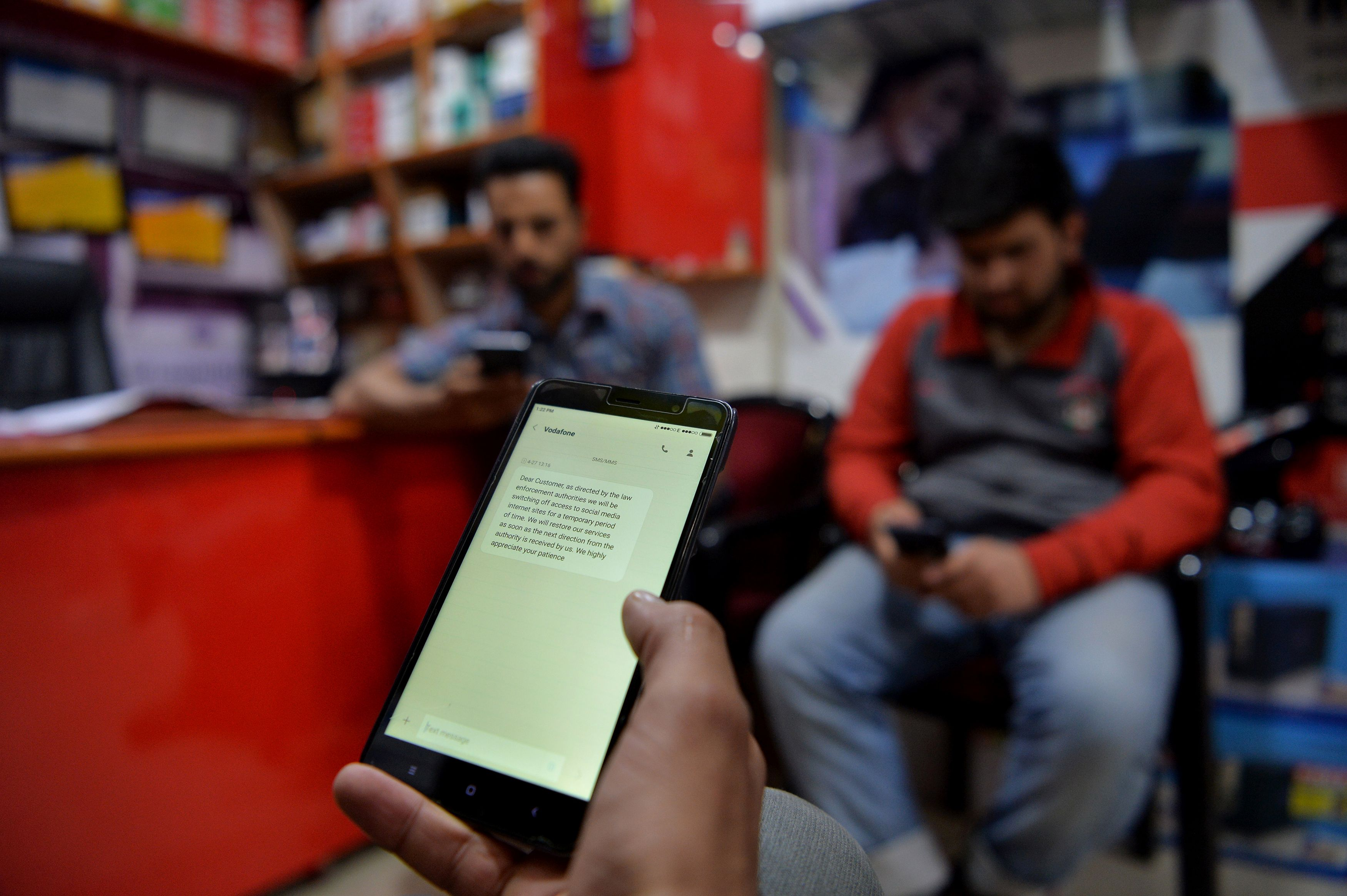 Authorities in Indian-administered Kashmir on April 26 ordered internet service providers to block popular social media services including Facebook, Twitter and WhatsApp after an upsurge in violence in the region. / AFP PHOTO / TAUSEEF MUSTAFA (Photo credit should read TAUSEEF MUSTAFA/AFP/Getty Images)