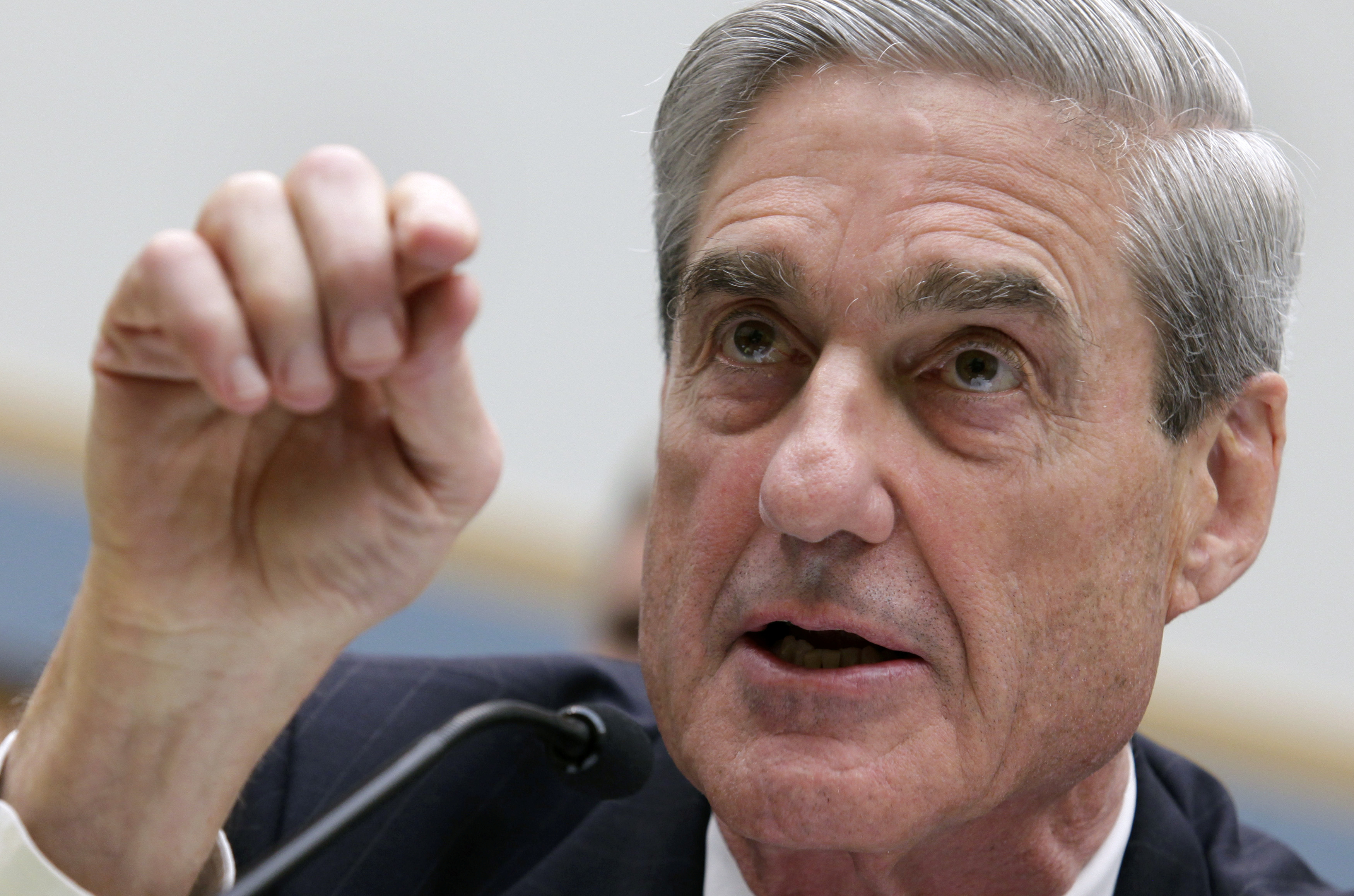 Robert Mueller, as FBI director, testifies before the House Judiciary Committee hearing on Federal Bureau of Investigation oversight on Capitol Hill in Washington June 13, 2013. REUTERS/Yuri Gripas