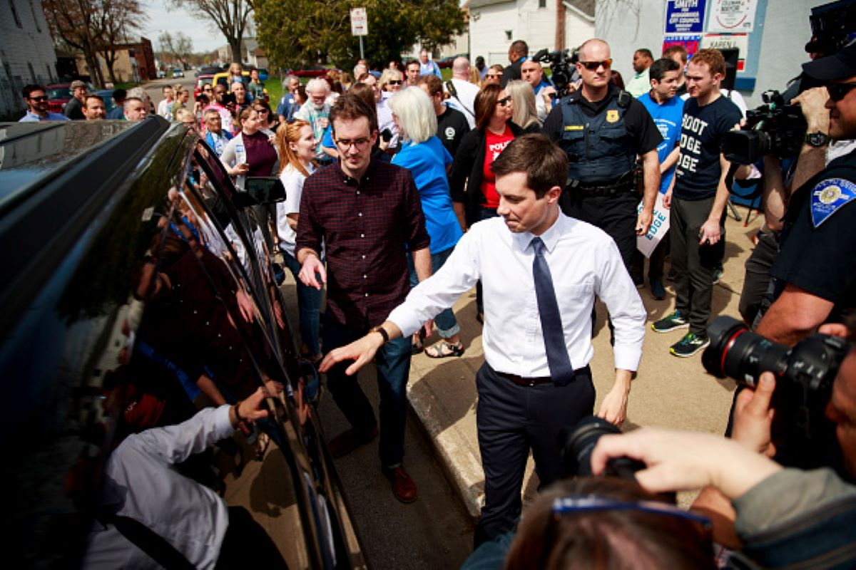 The crowd of supporters stood inside, and after a few minutes Buttigieg exited, and was whisked away. (Photo by Jeremy Hogan/SOPA Images/LightRocket via Getty Images)