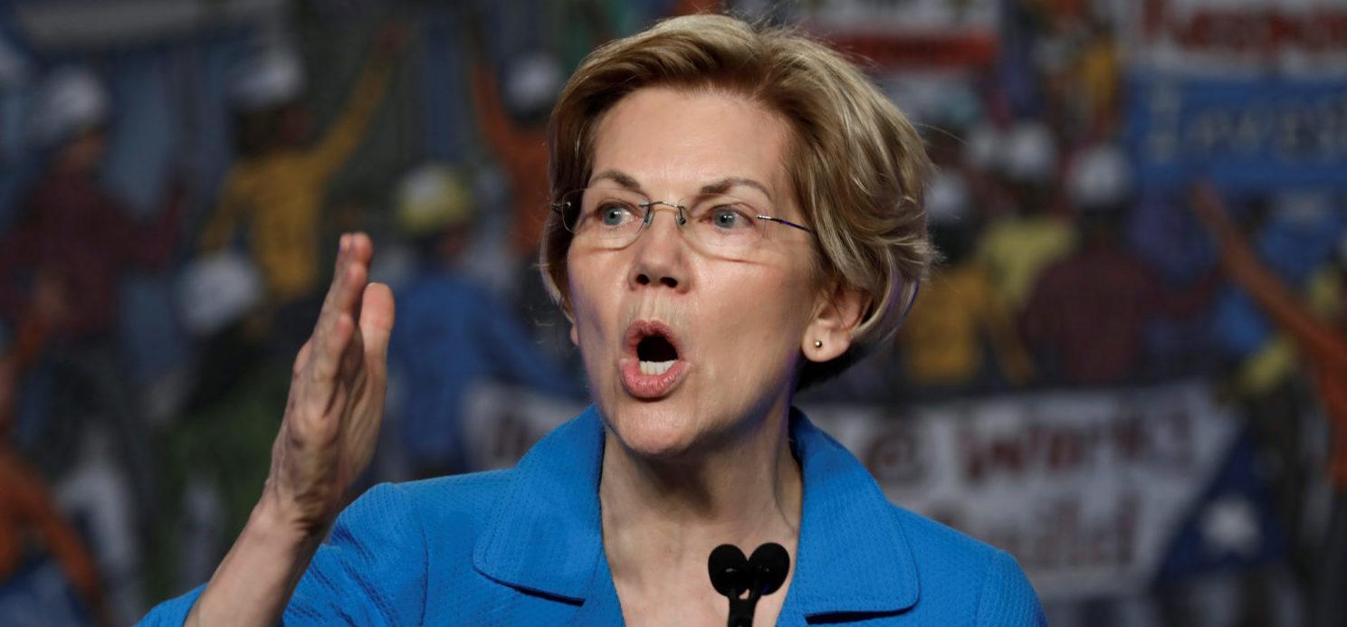Democratic U.S. presidential candidate Senator Elizabeth Warren (D-MA) speaks at the North America's Building Trades Unions (NABTU) 2019 legislative conference in Washington, U.S., April 10, 2019. REUTERS/Yuri Gripas