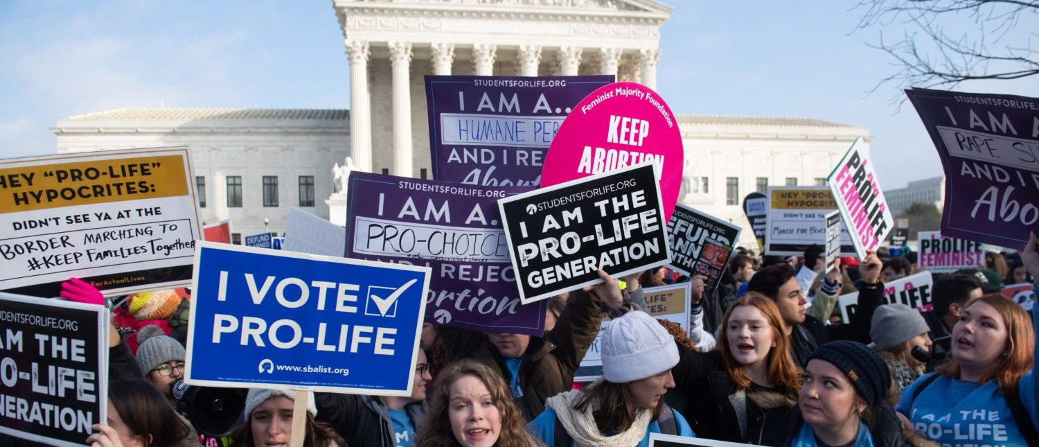 Pro-life and pro-choice demonstrators rally outside the Supreme Court on January 18, 2019. (Saul Loeb/AFP/Getty Images)