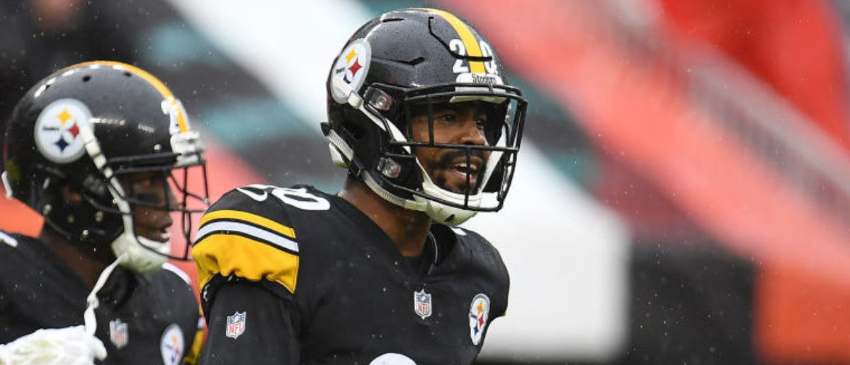 Pittsburgh Steelers Cornerback Cameron Sutton Wears Jason Voorhees Visor
