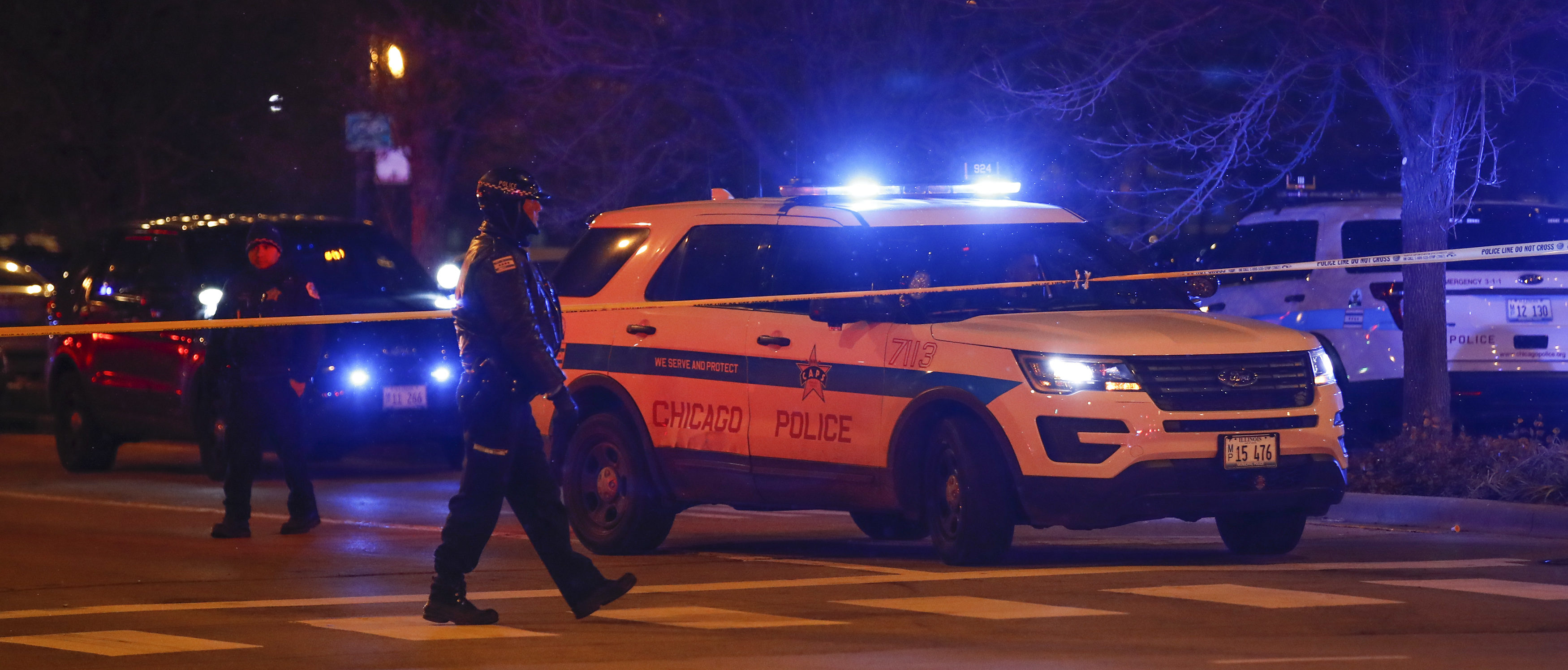 Chicago Police officers monitor the area outside of the Chicago Mercy Hospital where a gunman opened fire in Chicago on November 19, 2018. (Photo by KAMIL KRZACZYNSKI/AFP/Getty Images)
