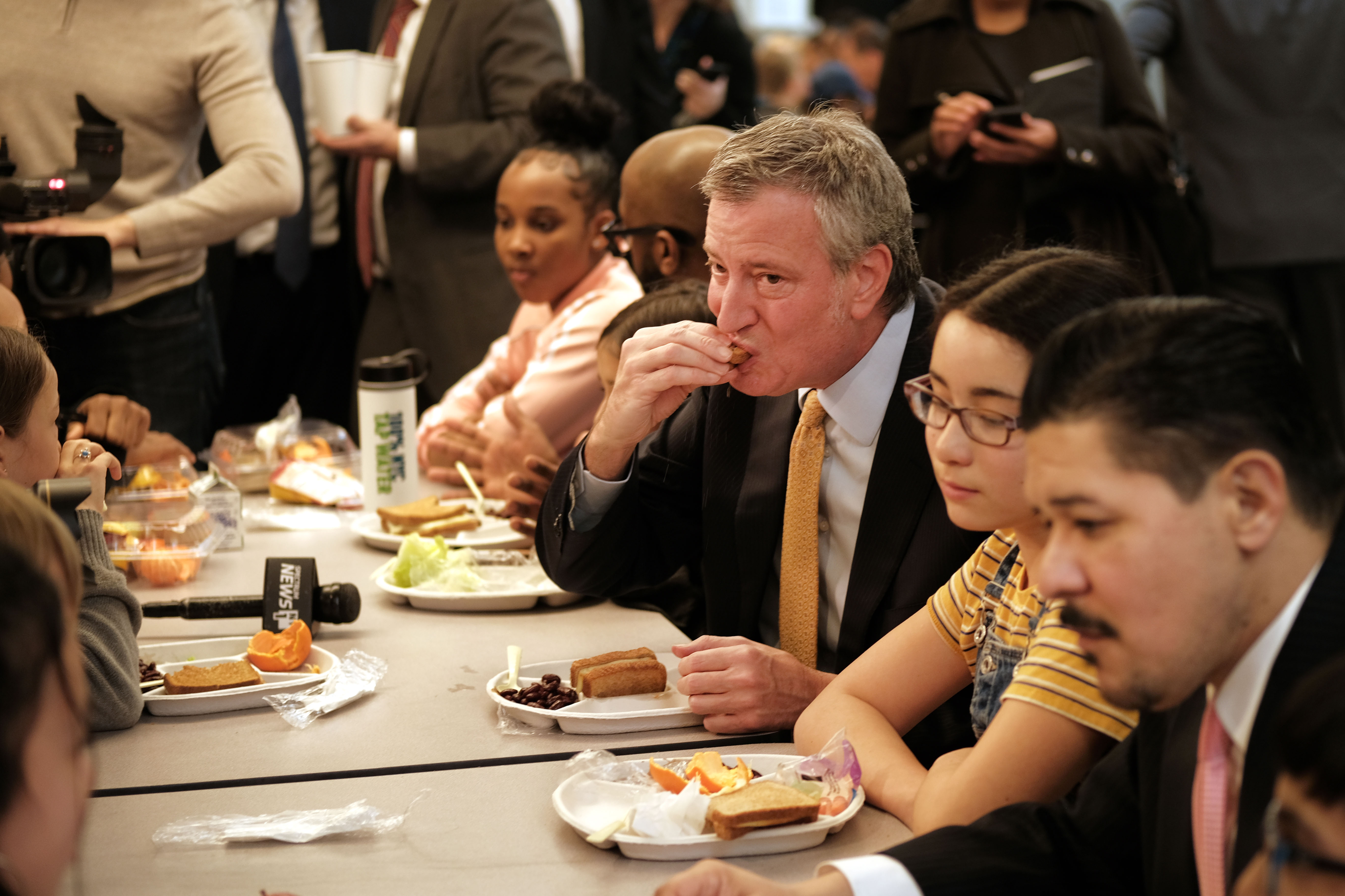 New York Mayor Bill de Blasio joins Schools Chancellor Richard Carranza and school children for lunch at PS130, a Brooklyn public school, for an announcement about Meatless Monday's on March 11, 2019 in New York City. (Photo by Spencer Platt/Getty Images)