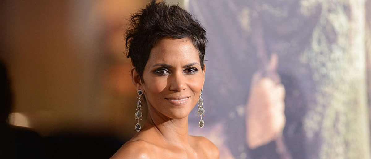 HOLLYWOOD, CA - OCTOBER 24: Actress Halle Berry arrives at Warner Bros. Pictures' 'Cloud Atlas' premiere at Grauman's Chinese Theatre on October 24, 2012 in Hollywood, California. (Photo by Jason Merritt/Getty Images)