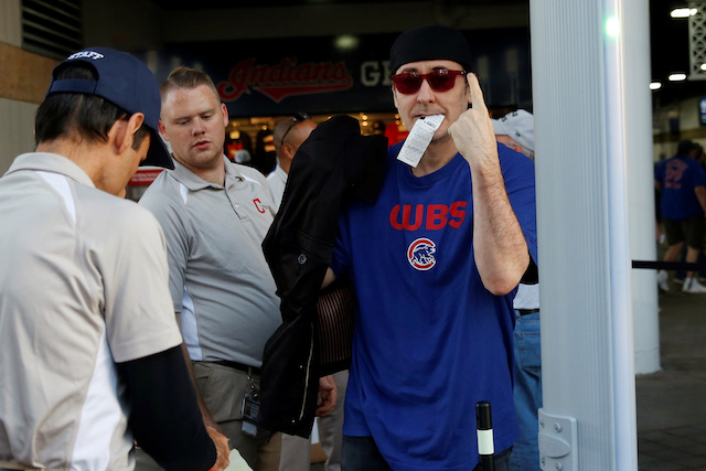 Actor John Cusack, a fan of the National League Chicago Cubs baseball team, enters Progressive Field before Game 7 of their Major League Baseball World Series game against the American League Cleveland Indians in Cleveland, Ohio U.S., November 2, 2016. REUTERS/Shannon Stapleton