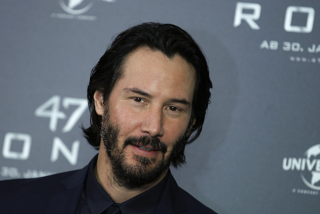 "Actor Keanu Reeves poses during a photocall to promote the fantasy action film ""47 Ronin"", by director Carl Erik Rinsch, in Munich January 17, 2014. The film starts in Germany on January 30, 2014. REUTERS/Michaela Rehle"
