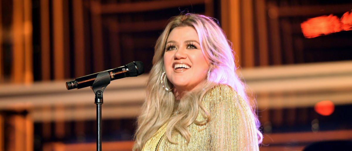 Kelly Clarkson Reveals Another Health Scare On Set That Had Her 'Freaking Out'
