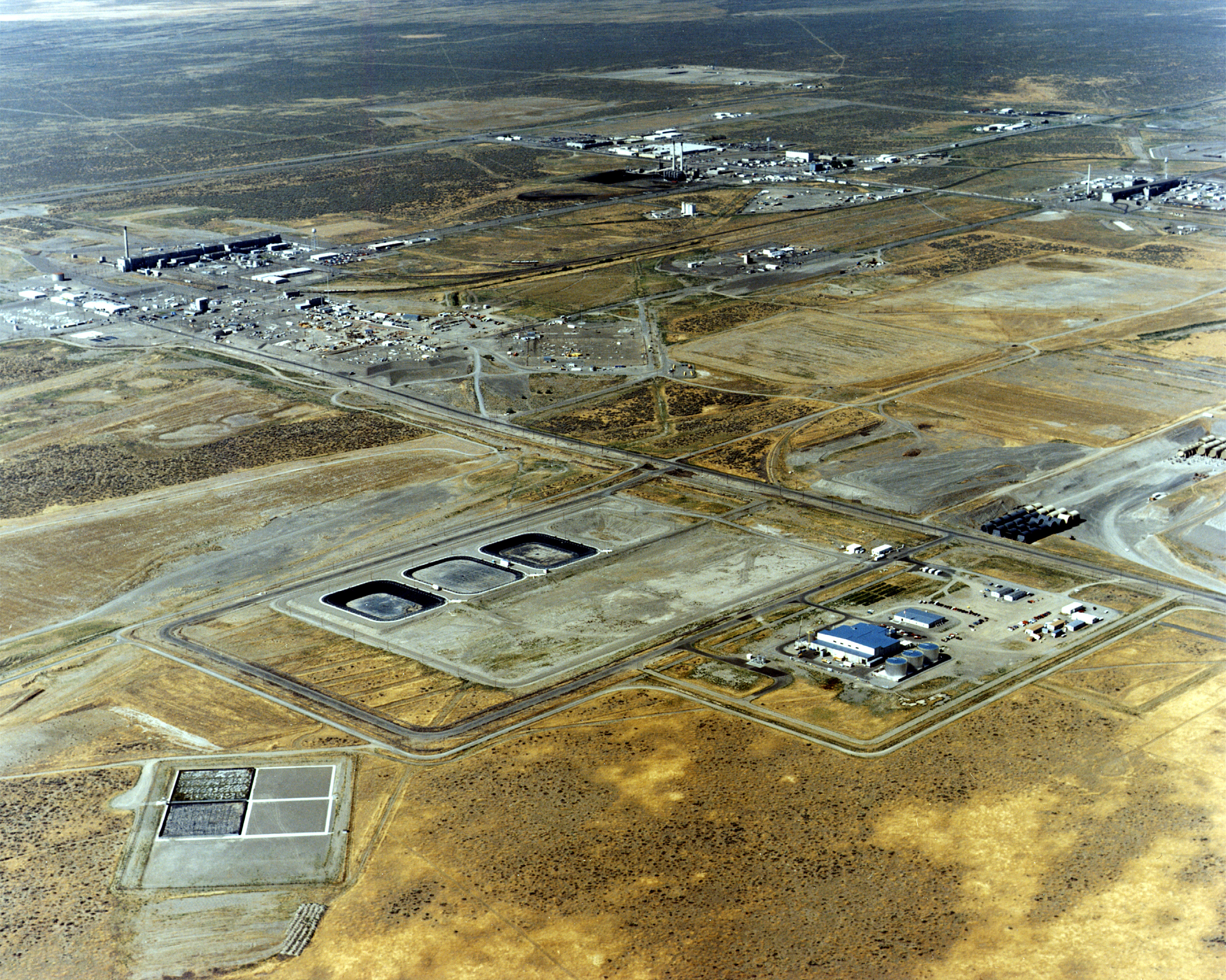 The 200 Area of the Hanford nuclear site is seen in a 1995 aerial photo