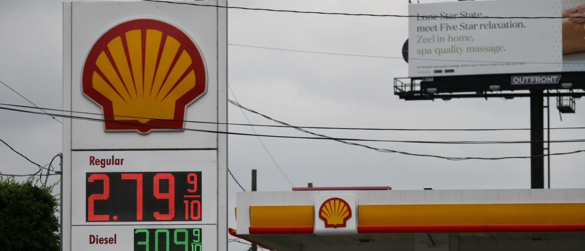Oil Giants Are Pushing GOP To Pass A Carbon Tax