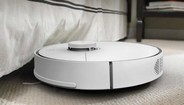 With a sleek white design and custom app controls, this robot vacuum provides great value for its price-tag (Photo via Amazon)
