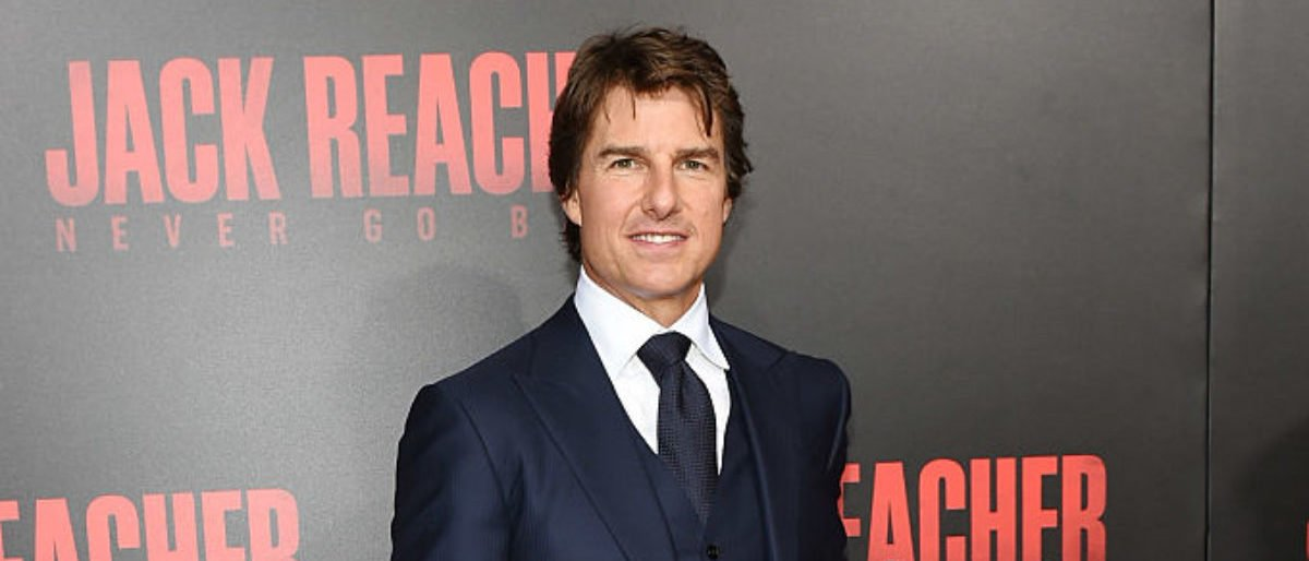 """HARAHAN, LA - OCTOBER 16: Actor Tom Cruise attends the fan screening of the Paramount Pictures title """"Jack Reacher: Never Go Back"""", on October 16, 2016 at the AMC Elmwood in New Orleans, USA. (Photo by Erika Goldring/Getty Images for Paramount Pictures)"""