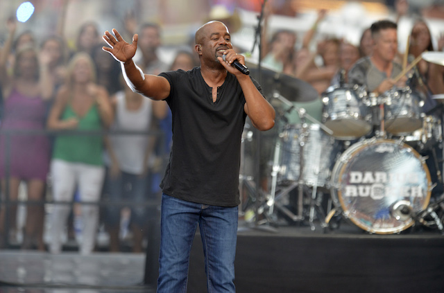 """Singer Darius Rucker performs """"Homegrown Honey"""" during the 2015 CMT Awards in Nashville, Tennessee June 10, 2015. REUTERS/Eric Henderson"""