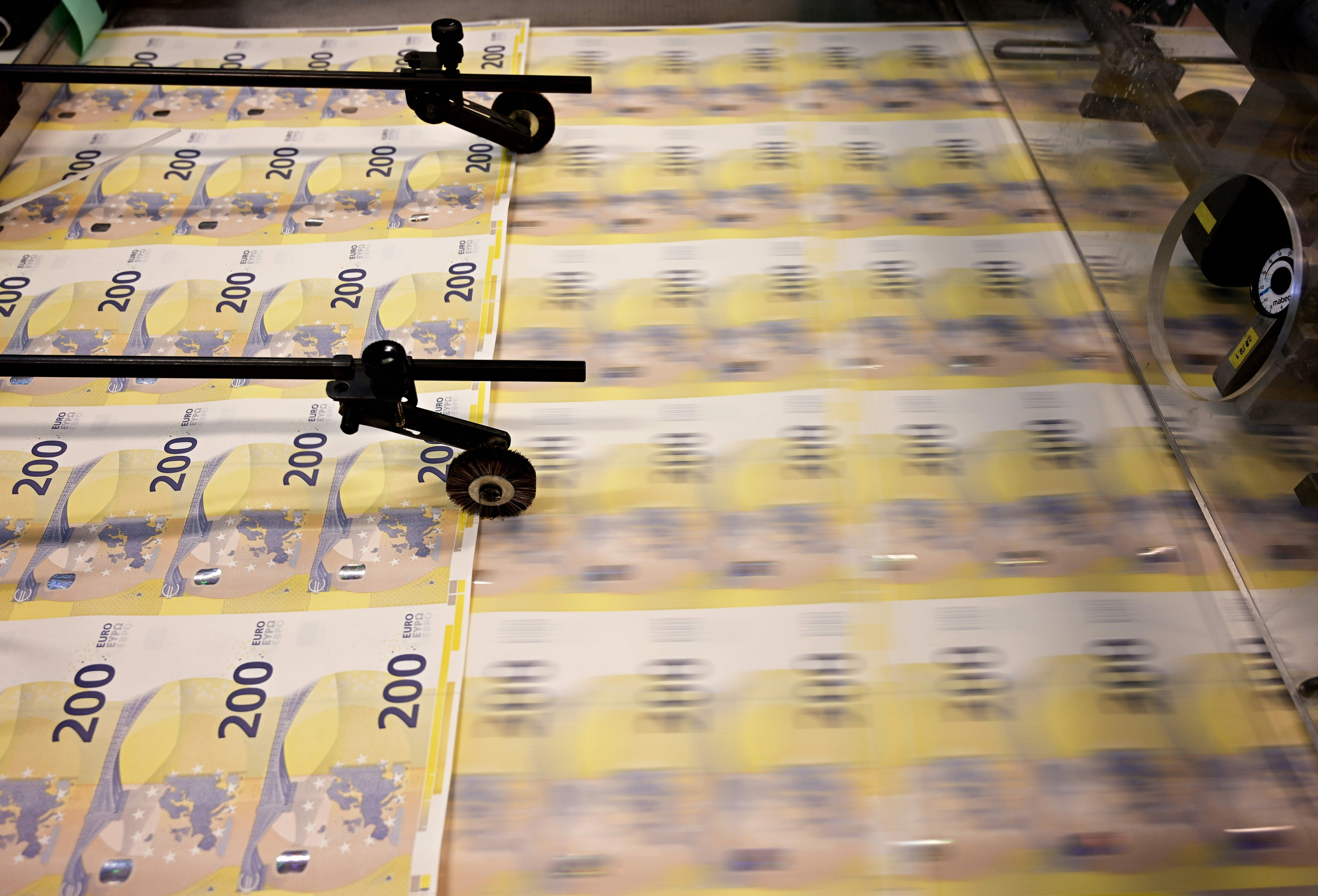 A picture taken on May 20, 2019 shows the new 200 euros banknotes during the printing procedure in the Bankitalia, the Italian national central bank, high-security factory in Rome. (VINCENZO PINTO/AFP/Getty Images)
