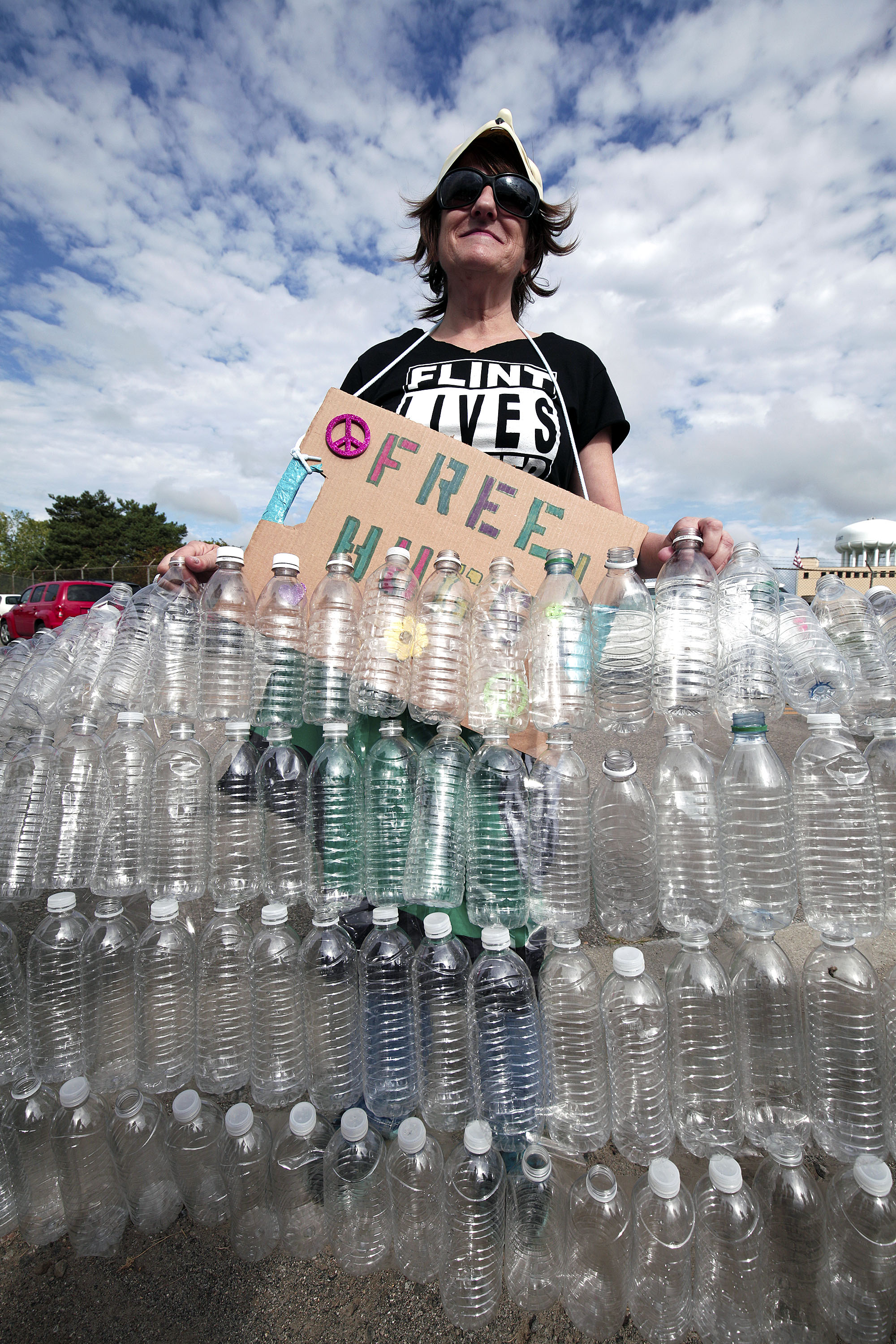 Teresa Teal of Flint, Michigan protests Republican Presidential Nominee Donald Trump's visit to Flint today at the Flint Water Treatment Plant September 14, 2016 in Flint, Michigan. (Photo by Bill Pugliano/Getty Images)