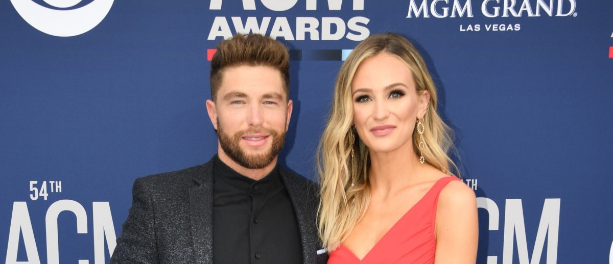 Chris Lane and Lauren Bushnell arrive for the 54th Academy of Country Music Awards on April 7, 2019 in Las Vegas, Nevada. (Photo credit ROBYN BECK/AFP/Getty Images)