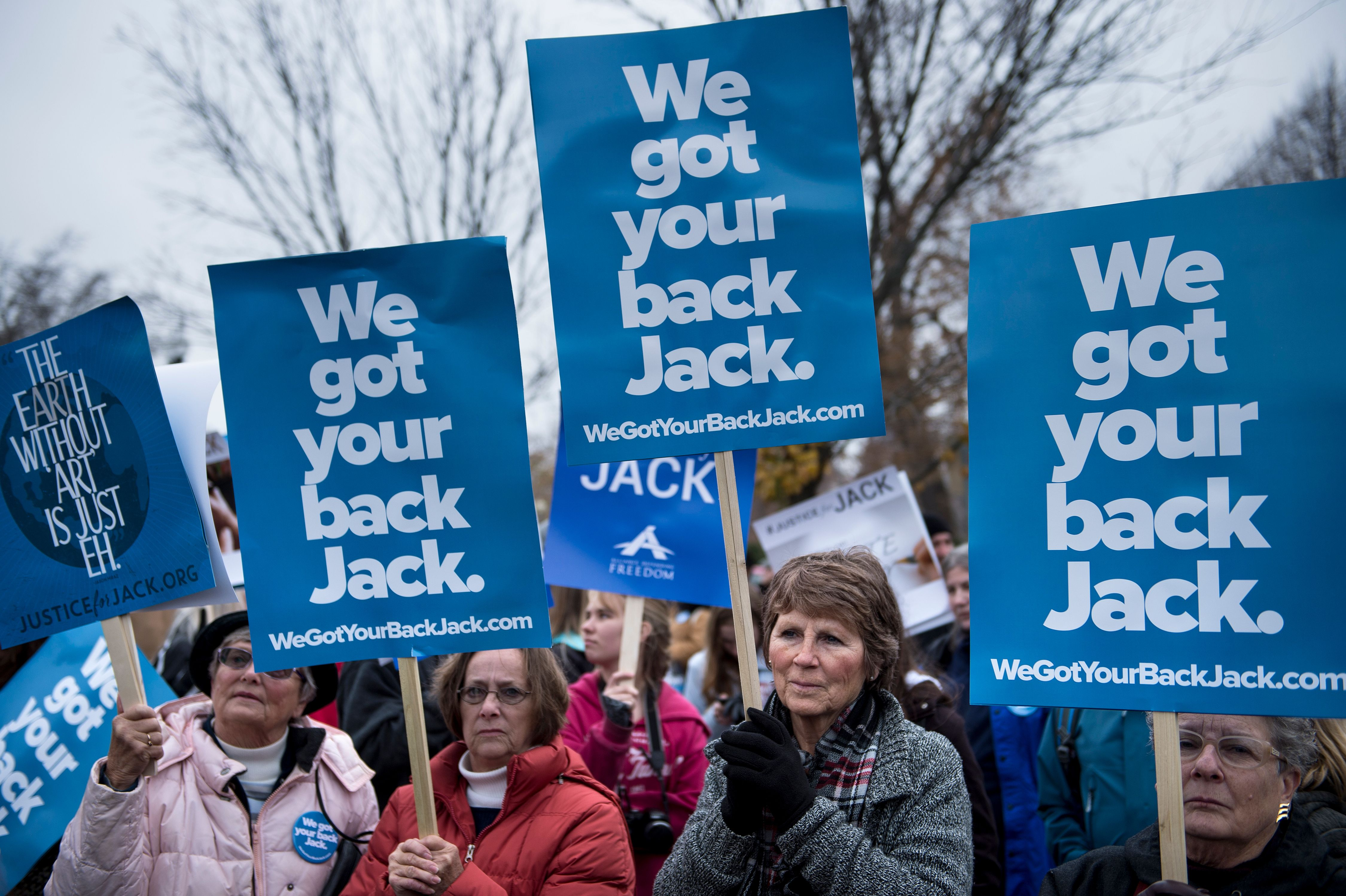 People rally for Jack Phillips, owner of Masterpiece Cake in Colorado, outside the Supreme Court. (Brendan Smialowski/AFP/Getty Images)