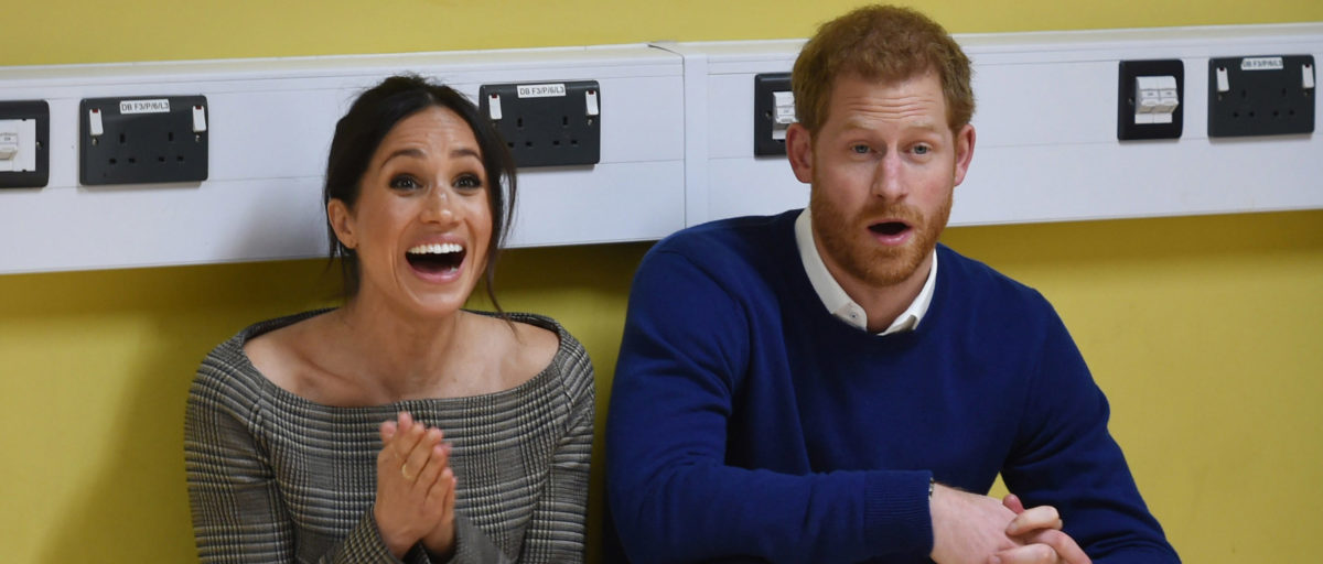 Prince Harry and his fiancee Meghan Markle attend a street dance class during their visit to Star Hub on January 18, 2018 in Cardiff, Wales. (Photo by Geoff Pugh - WPA Pool/Getty Images)