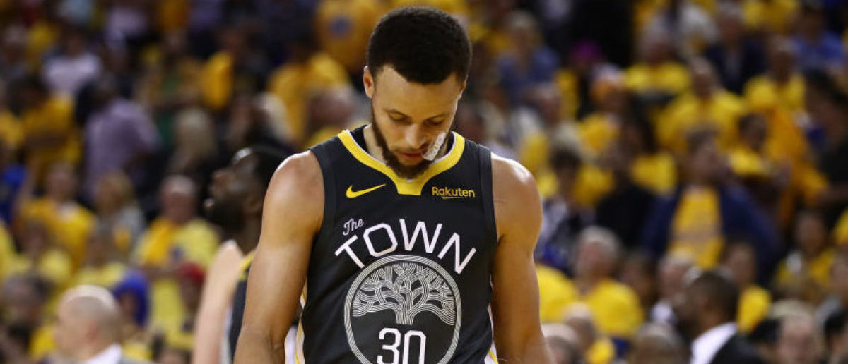 OAKLAND, CALIFORNIA - JUNE 07: Stephen Curry #30 of the Golden State Warriors reacts late in the game against the Toronto Raptors in the second half during Game Four of the 2019 NBA Finals at ORACLE Arena on June 07, 2019 in Oakland, California. (Photo by Ezra Shaw/Getty Images)