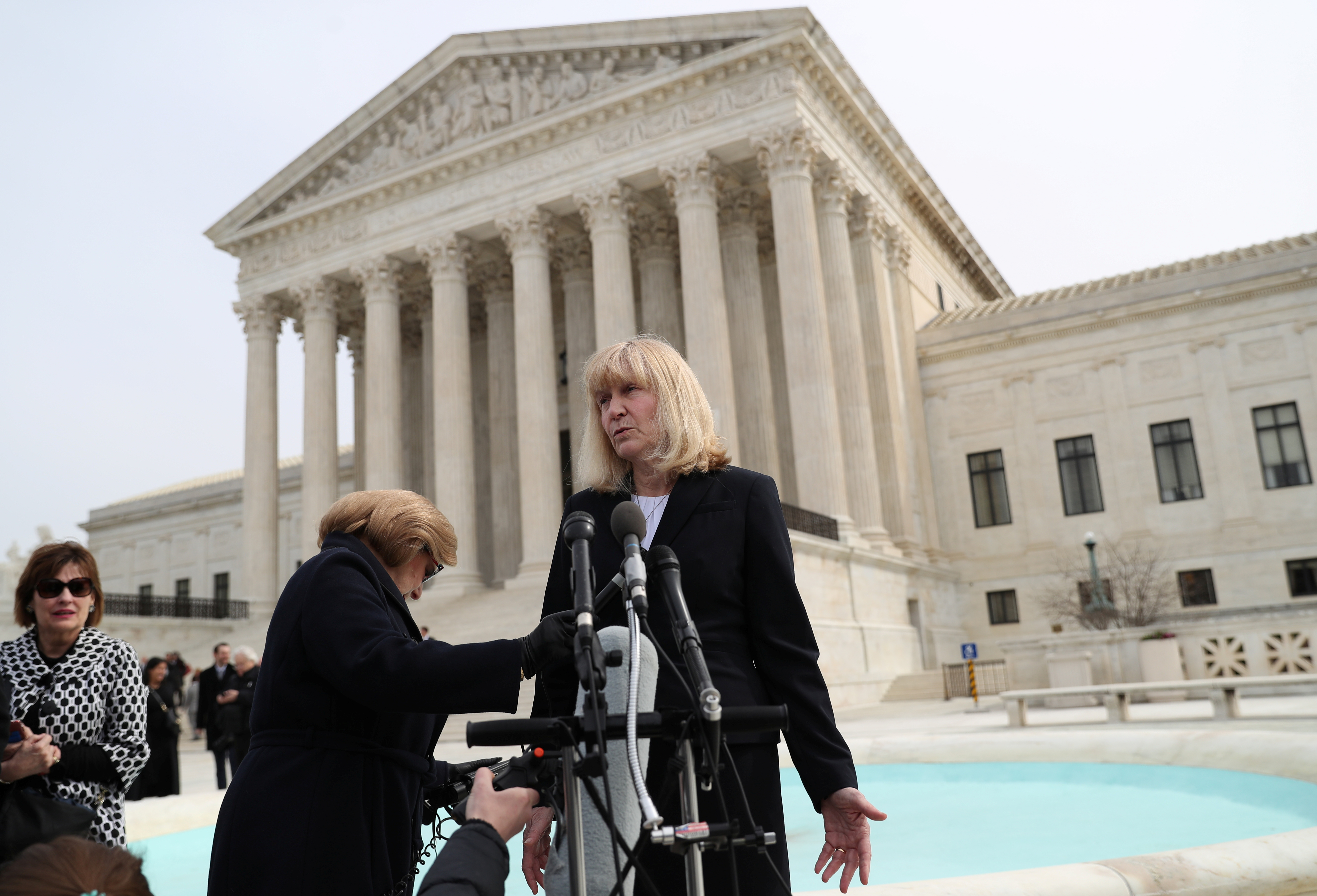 Sheri Lynn Johnson of the Cornell University Death Penalty Project, who represents Curtis Flowers, speaks to the news media outside of the Supreme Court on March 20, 2019. (REUTERS/Leah Millis)