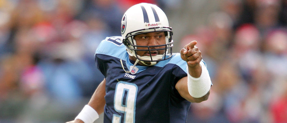 NASHVILLE - DECEMBER 18: Steve McNair #9 of the Tennessee Titans scrambles out of the pocket against the Tennessee Titans December 18, 2005 at The Coliseum in Nashville, Tennessee. (Photo by Matthew Stockman/Getty Images)
