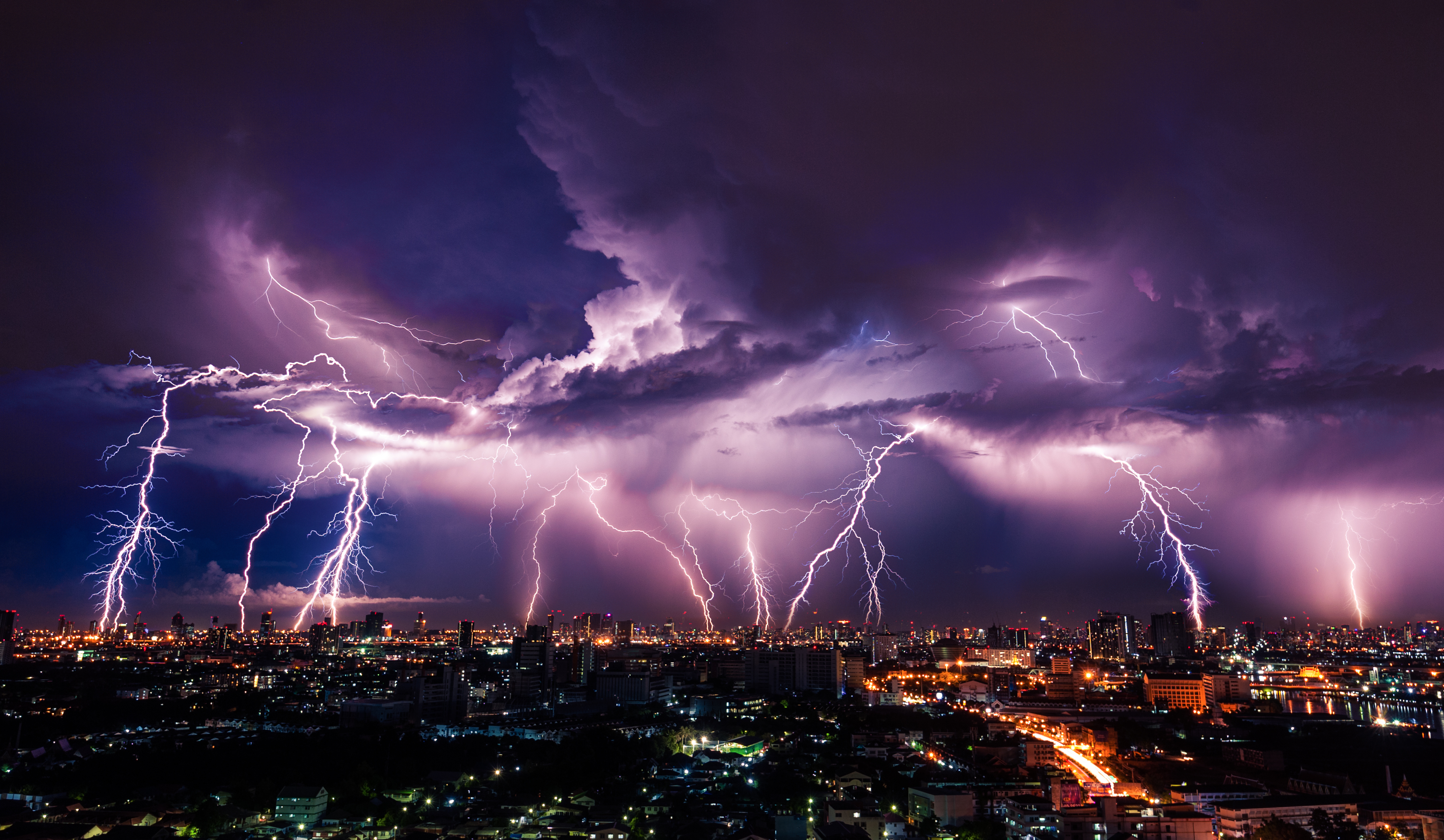 Pictured is a thunderstorm. SHUTTERSTOCK/ Vasin Lee