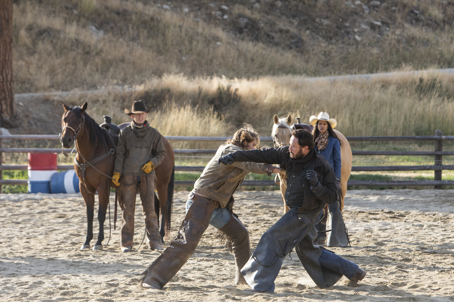 """Kayce (L-Luke Grimes) and Rip (R-Cole Hauser) come to blows on Yellowstone season 2 episode """"New Beginnings"""" airing on Wednesday, June 26 at 10 p.m., ET/PT on Paramount Network. (Credit: Paramount Network)"""
