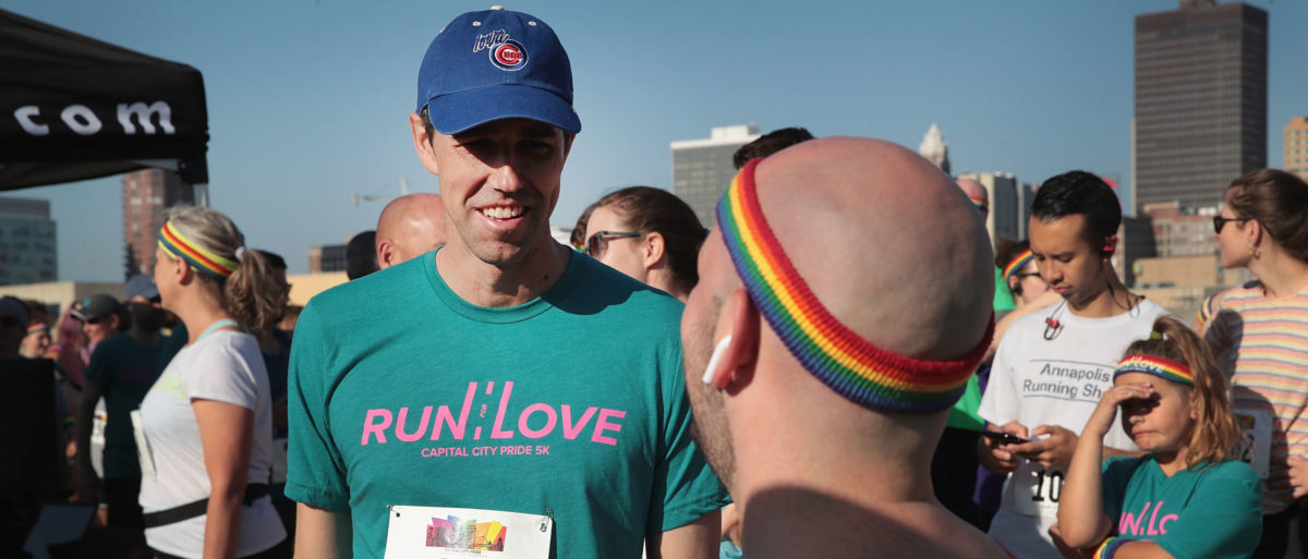 Democratic presidential candidate and former Texas congressman Beto O'Rourke speaks with other runners as he prepares to participate in the Pride Fest Fun Run 5K on June 08, 2019 in Des Moines, Iowa. (Photo by Scott Olson/Getty Images)