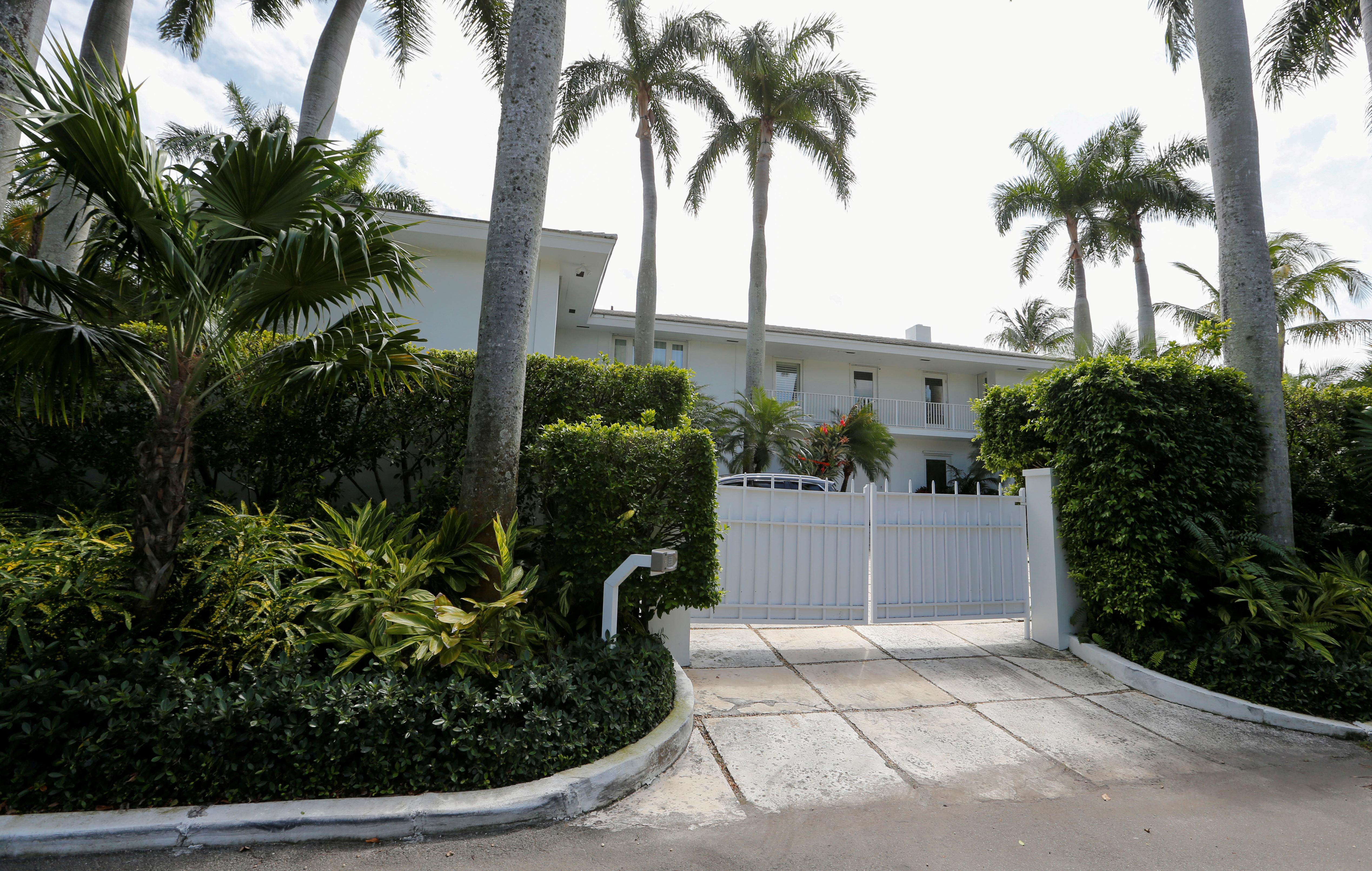 FILE PHOTO: A residence of financier Jeffrey Epstein is shown in Palm Beach, Florida, U.S., March 14, 2019. Picture taken March 14, 2014. REUTERS/Joe Skipper/File Photo