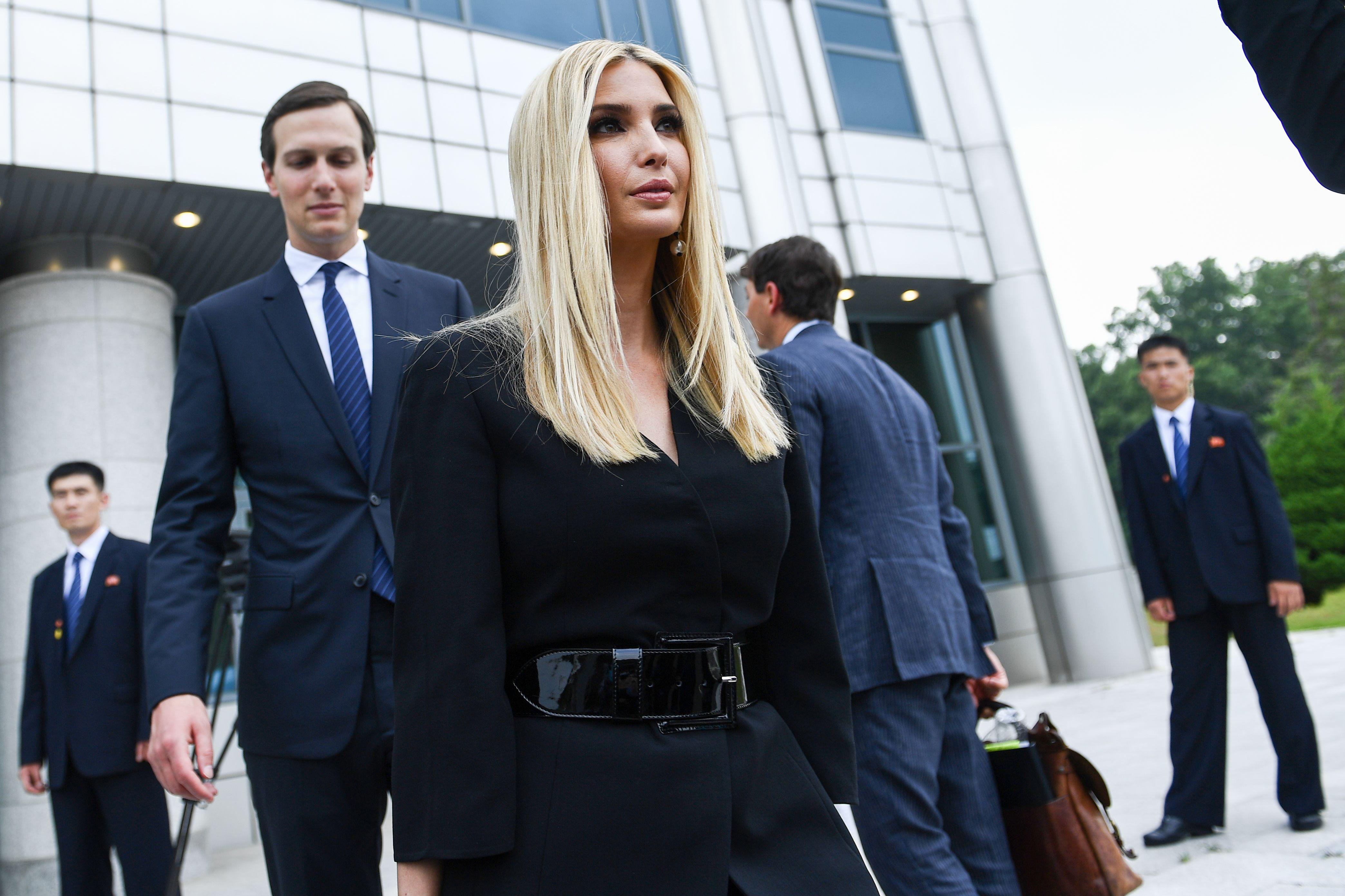 Advisor to the US President Ivanka Trump (R) and US Senior Advisor Jared Kushner (L) / (BRENDAN SMIALOWSKI/AFP/Getty Images)