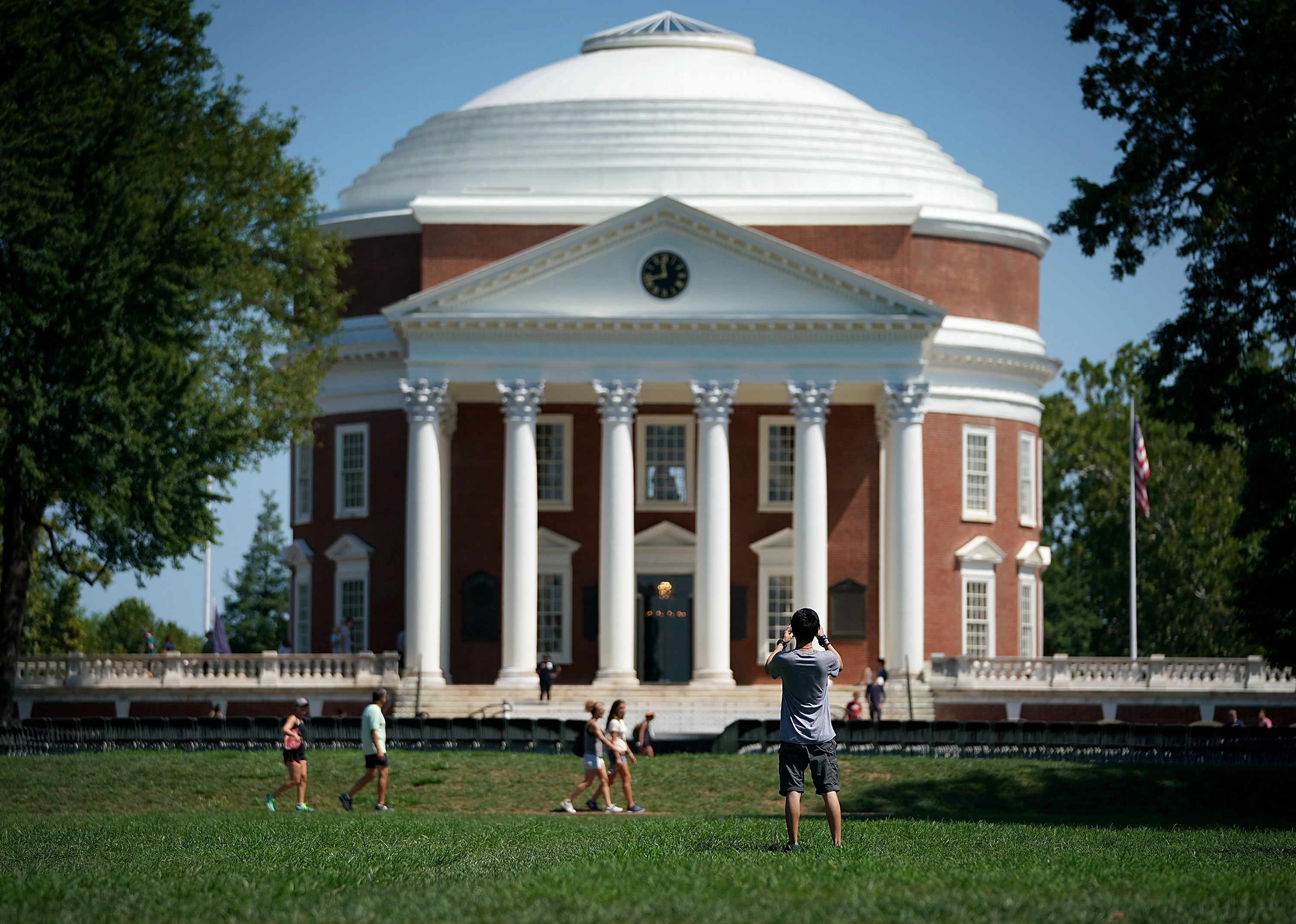 Students return to the University of Virginia for the fall semester on August 19, 2017 in Charlottesville, Virginia. (Photo by Win McNamee/Getty Images)