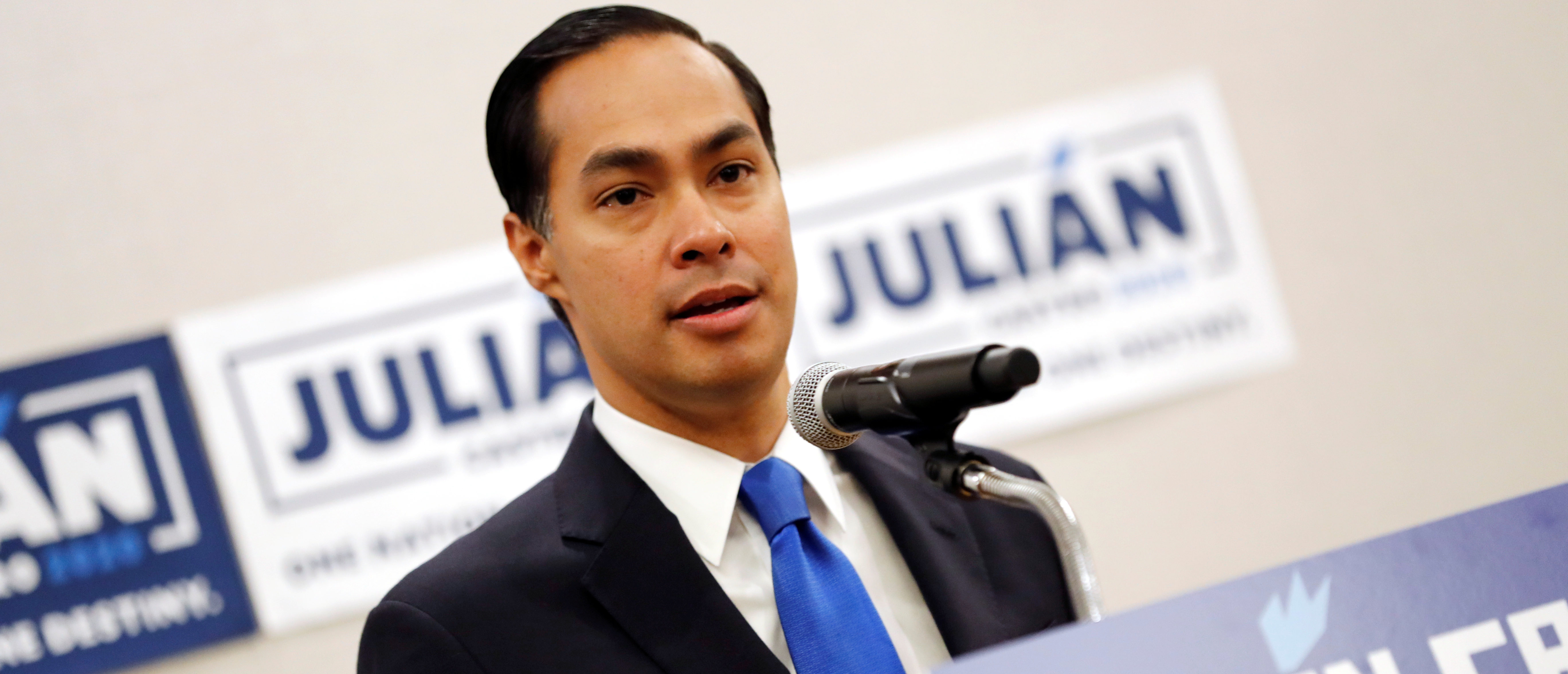 Former HUD Secretary and Democratic presidential candidate Julian Castro speaks to members of the media the morning after participating in the first U.S. 2020 presidential election Democratic candidates debate in Miami, Florida, U.S., June 27, 2019. REUTERS/Mike Segar
