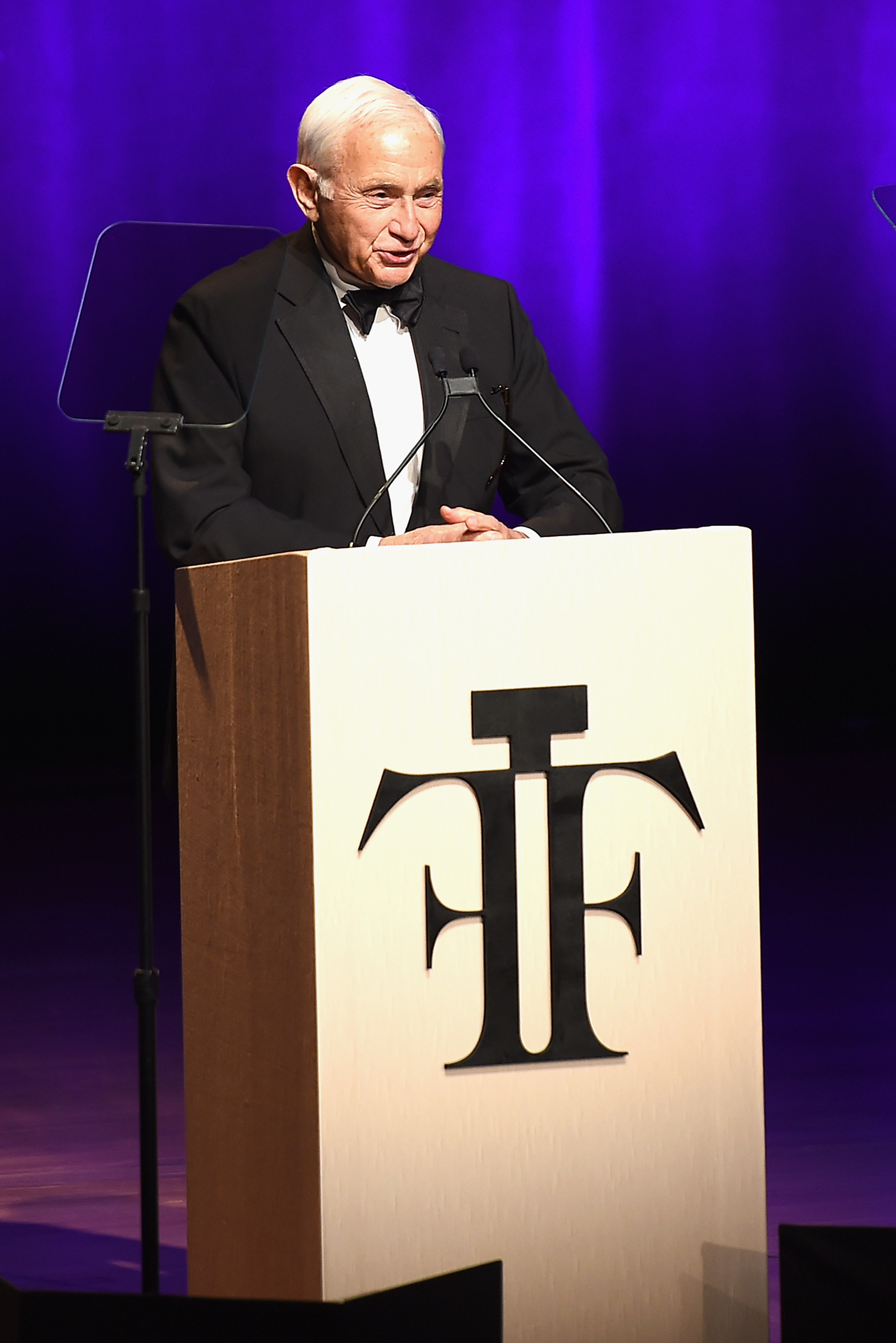NEW YORK, NY - JUNE 07: Les Wexner speaks onstage at the 2016 Fragrance Foundation Awards presented by Hearst Magazines - Show on June 7, 2016 in New York City. (Photo by Nicholas Hunt/Getty Images for Fragrance Foundation)