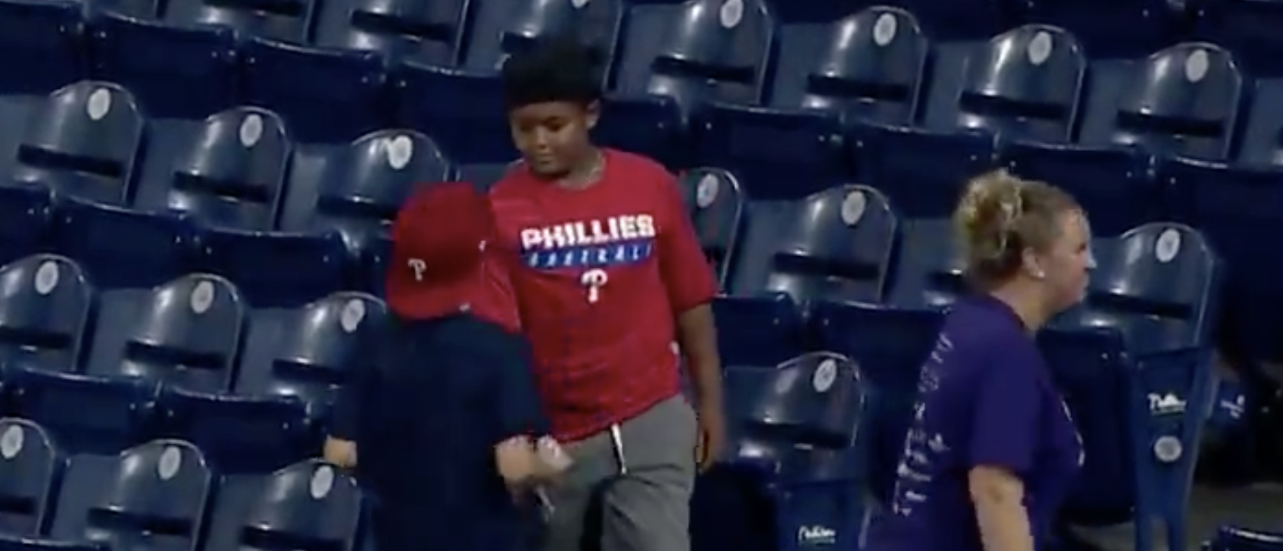 Young Philadelphia Phillies Fan's Act Of Kindness Will Restore Your Faith In Humanity   The Daily Caller