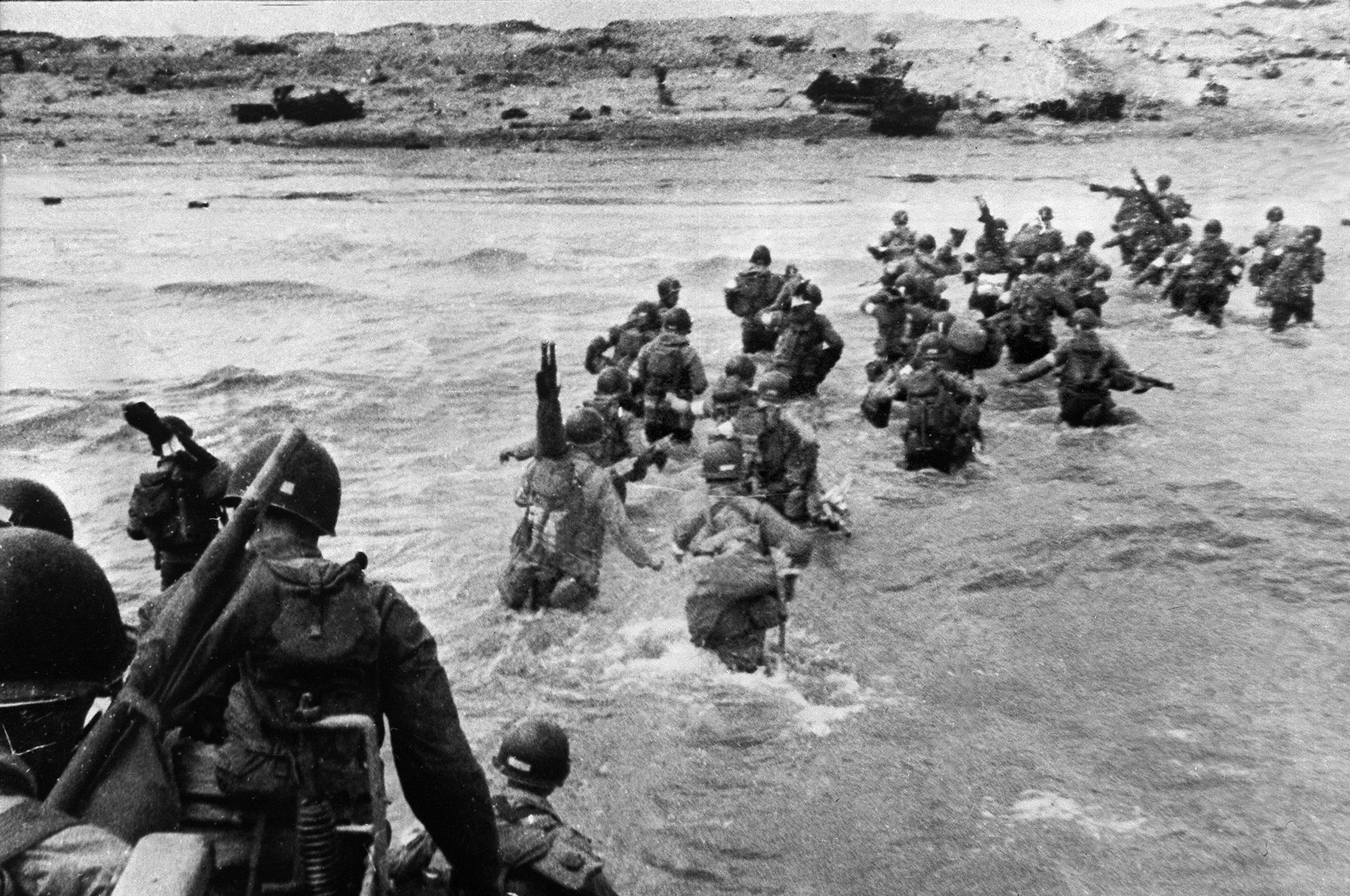 American troops landed on Normandy beaches to come as reinforcements during the historic D-Day, 06 June 1944, during WW2. (STF/AFP/Getty Images)