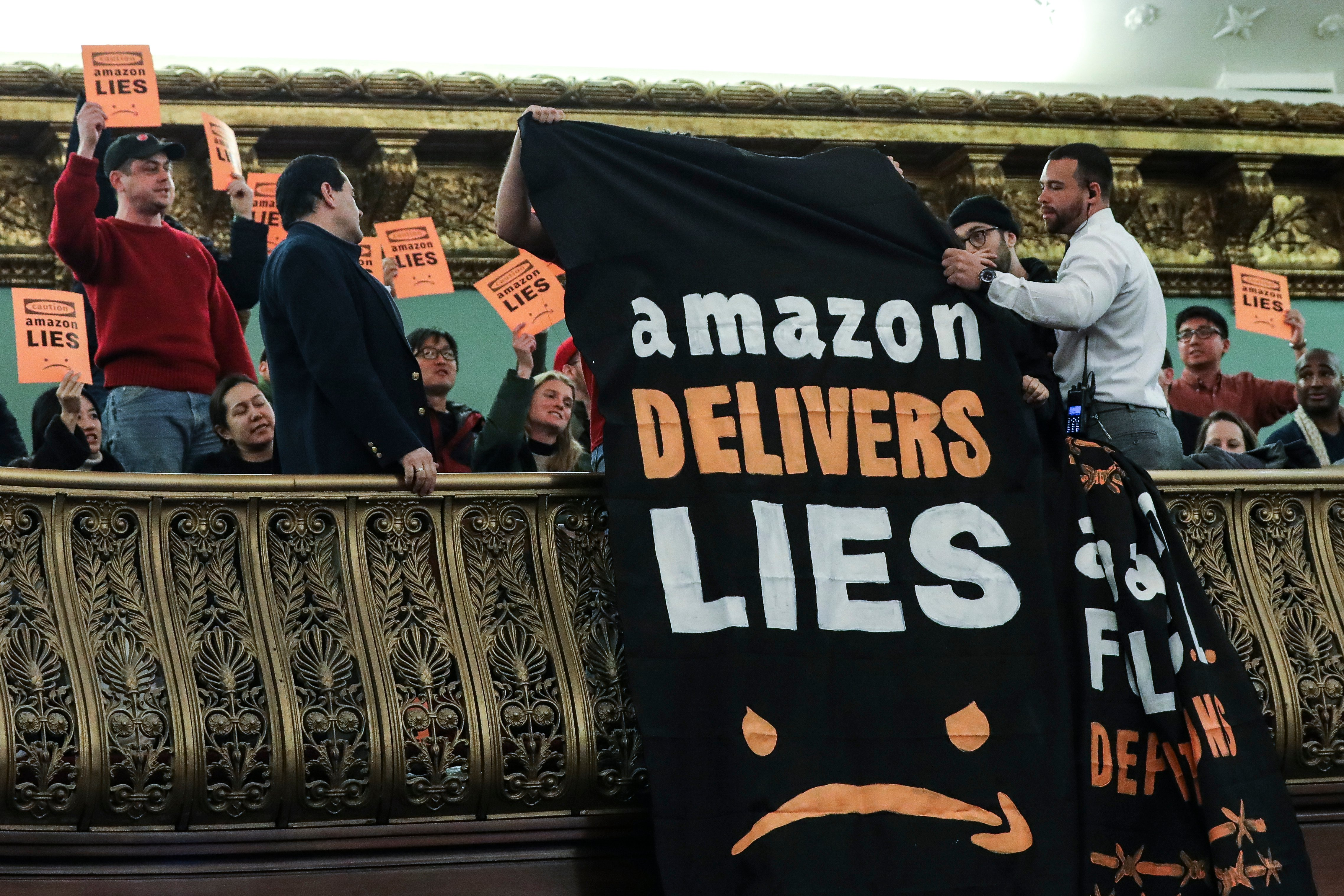 Amazon Makes $700 Million Investment To Retrain 100,000 Of Its US Employees By 2025 | The Daily Caller