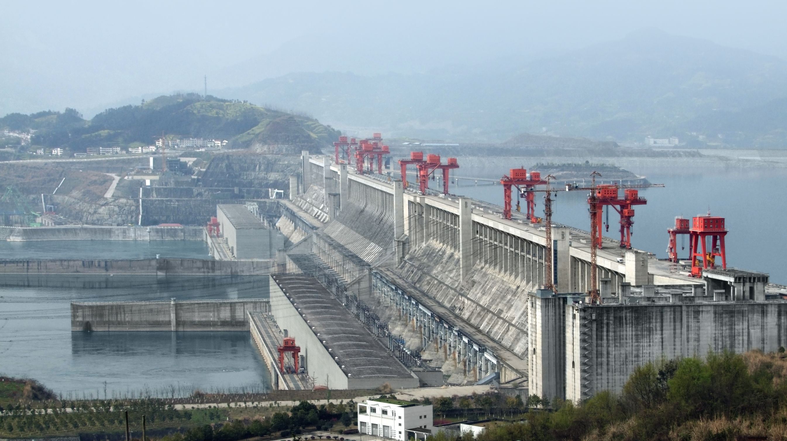 The Three Gorges Dam is the largest hydroelectric dam in the world. (SHUTTERSTOCK/Prill)