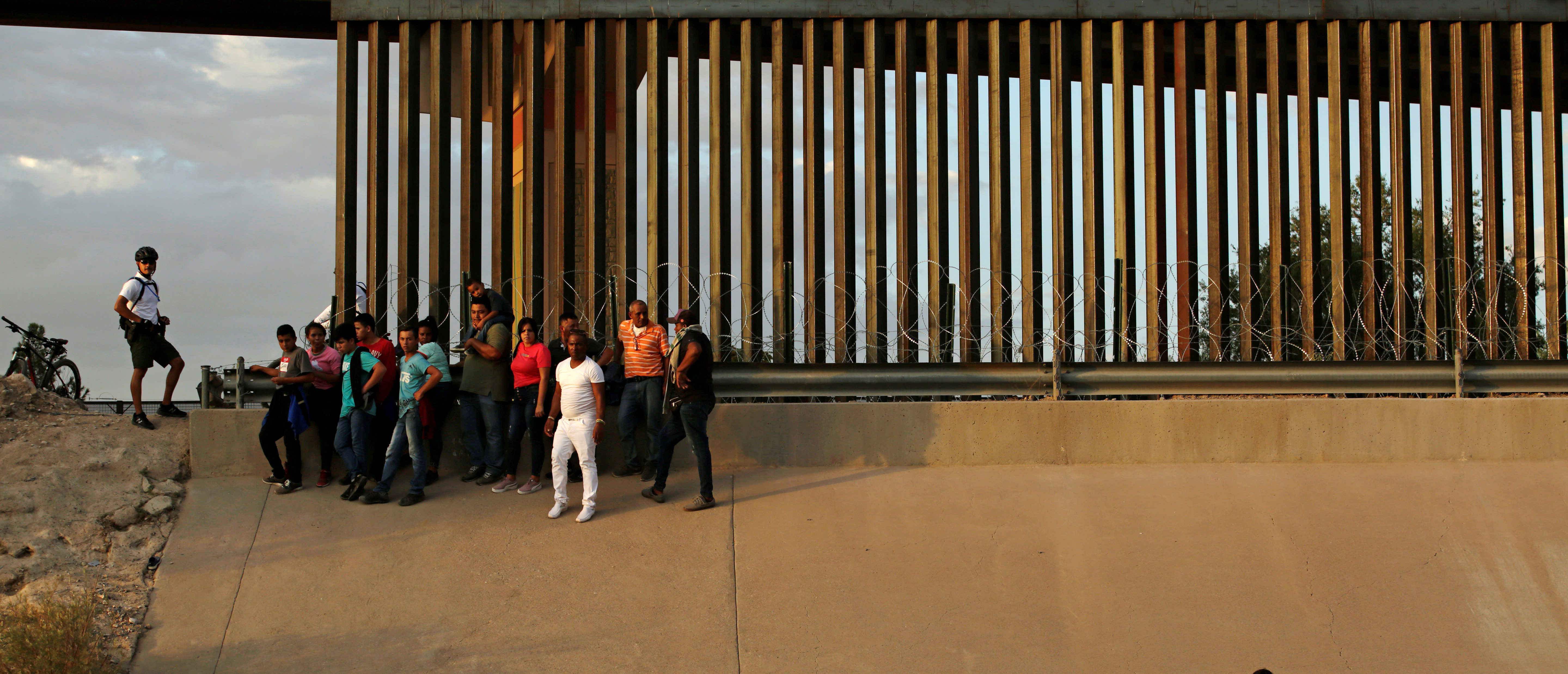 Majority Of Americans Want Border Security-DACA Deal, Poll Finds