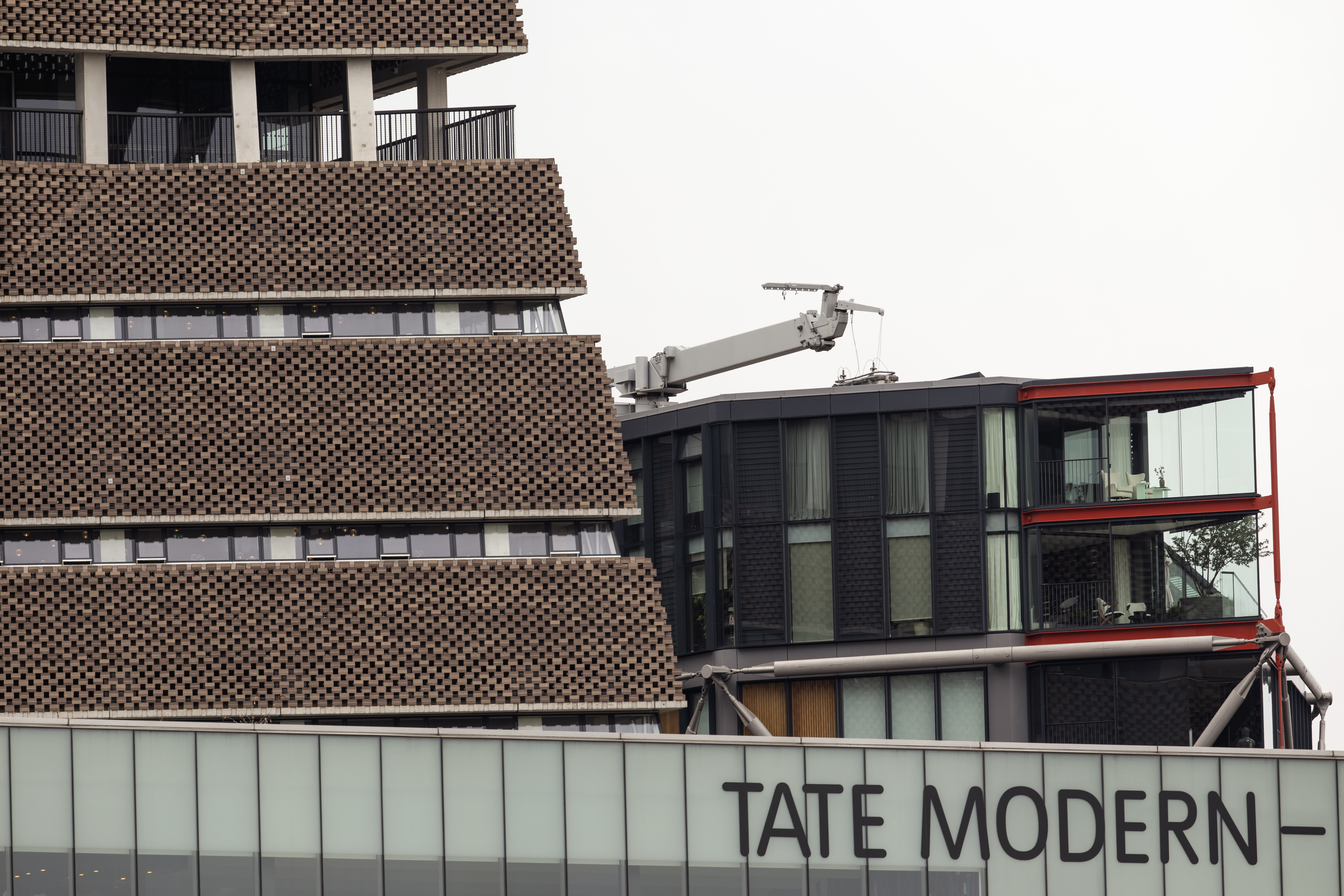 LONDON, ENGLAND - AUGUST 05: A view of the 10th floor balcony at the Tate Modern on August 05, 2019 in London, England. A six-year-old boy was in critical but stable condition after falling from a 10th floor viewing platform onto a 5th floor roof at the museum on Sunday. A 17-year-old boy was arrested on suspicion of attempted murder for allegedly throwing or pushing him over a railing. (Photo by Dan Kitwood/Getty Images)