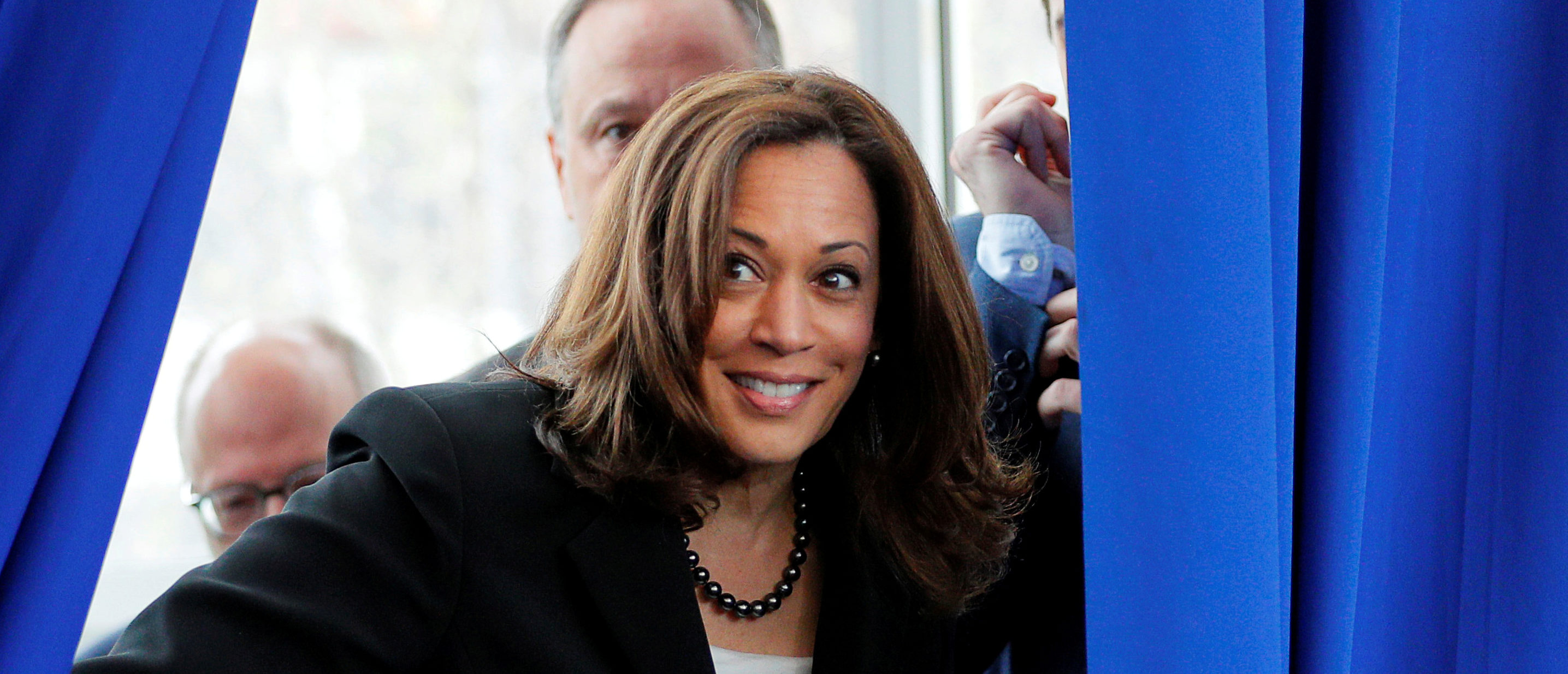 Democratic 2020 U.S. presidential candidate and U.S. Senator Kamala Harris (D-CA) takes the stage for a campaign stop at Keene State College in Keene, New Hampshire, U.S., April 23, 2019. REUTERS/Brian Snyder