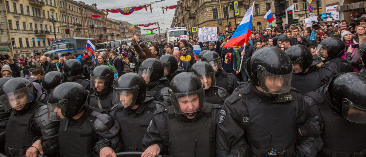 Putin's Popularity And Economy Deteriorate As Russian Protests Continue