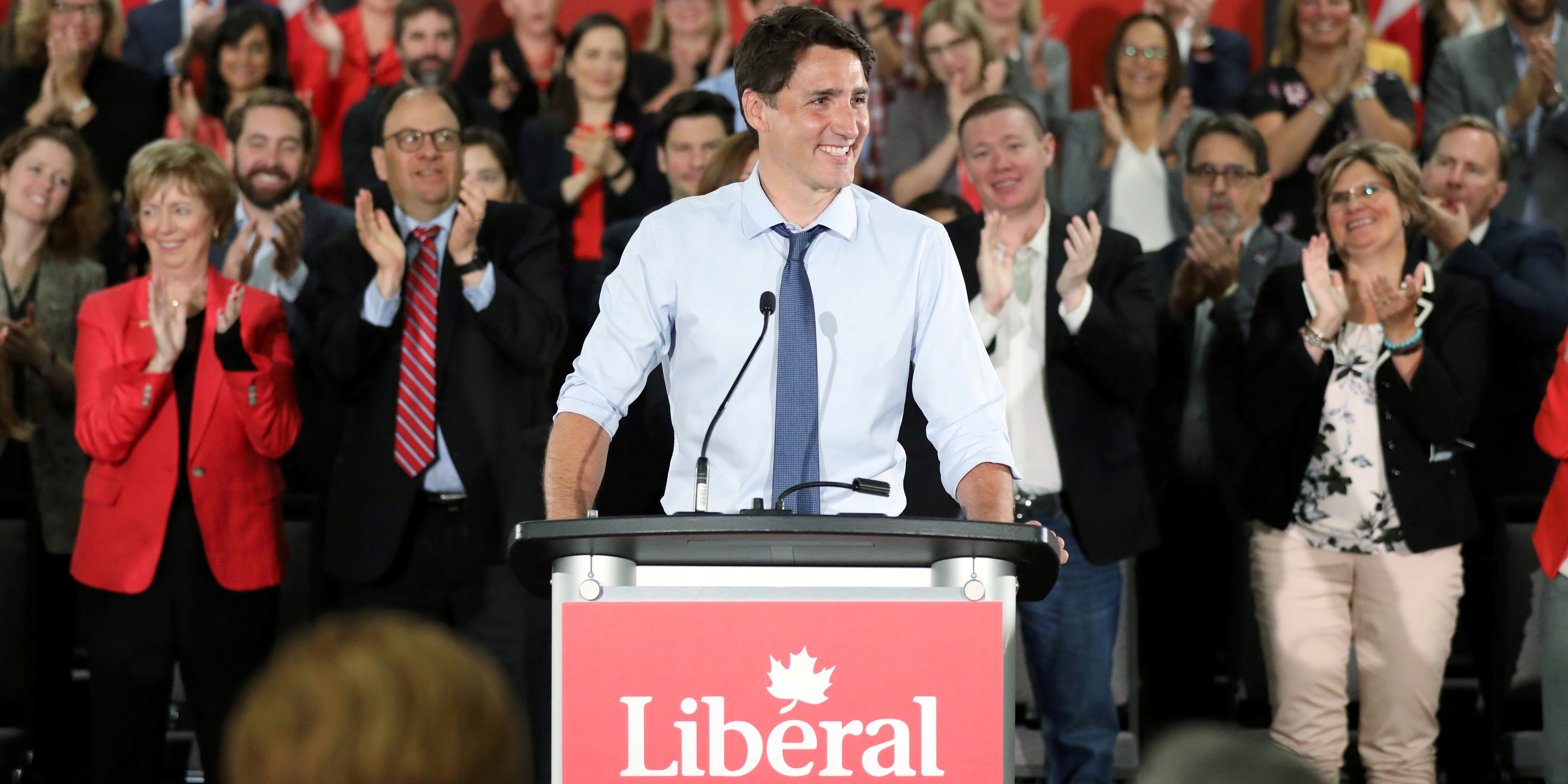 FILE PHOTO: Canada's Prime Minister Justin Trudeau receives a standing ovation while addressing Liberal Party candidates in Ottawa, Ontario, Canada, July 31, 2019. REUTERS/Chris Wattie/File Photo